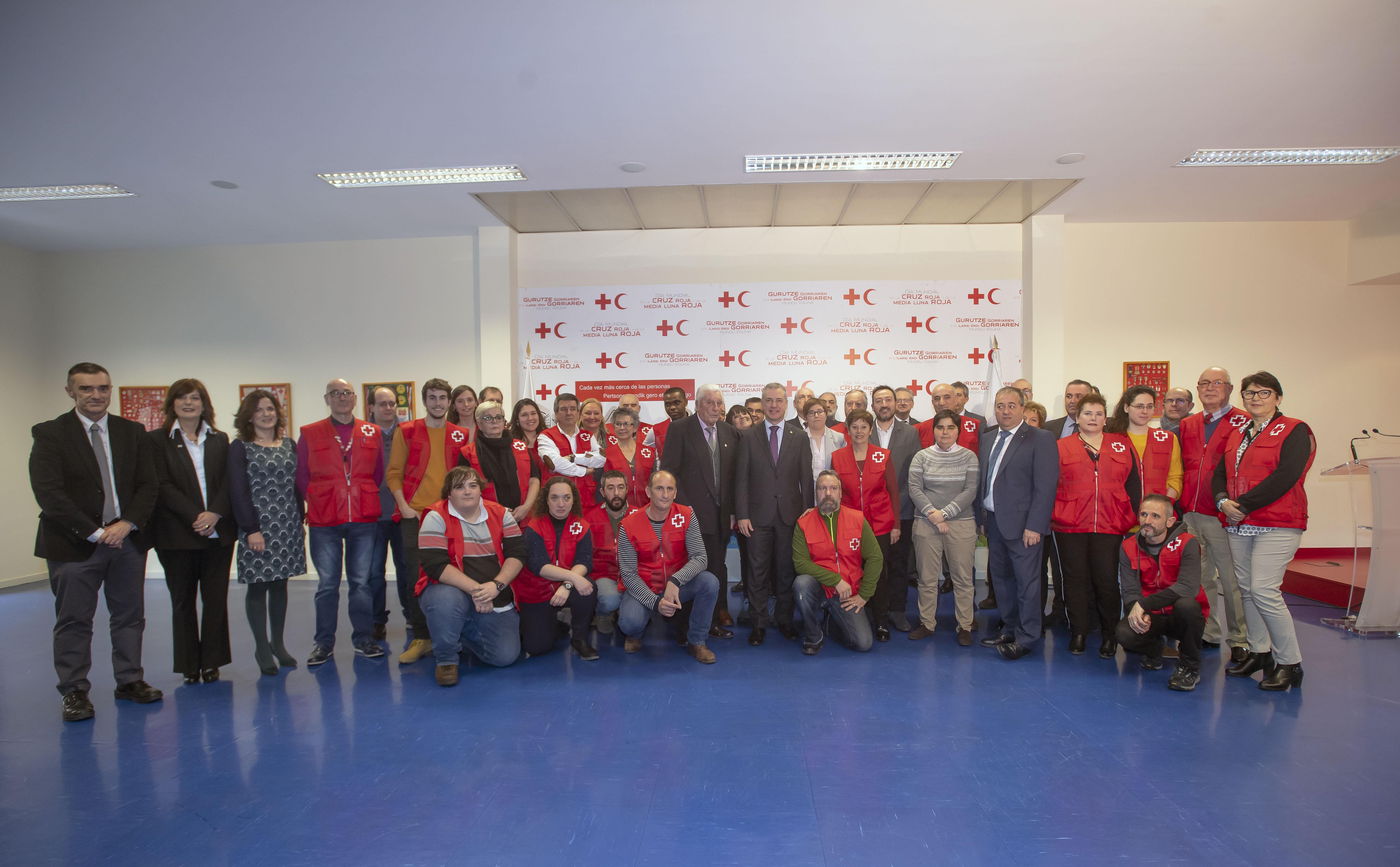 """El Lehendakari agradece la labor humanitaria de Cruz Roja Euskadi: """"Una sociedad cohesionada es un bien común"""""""