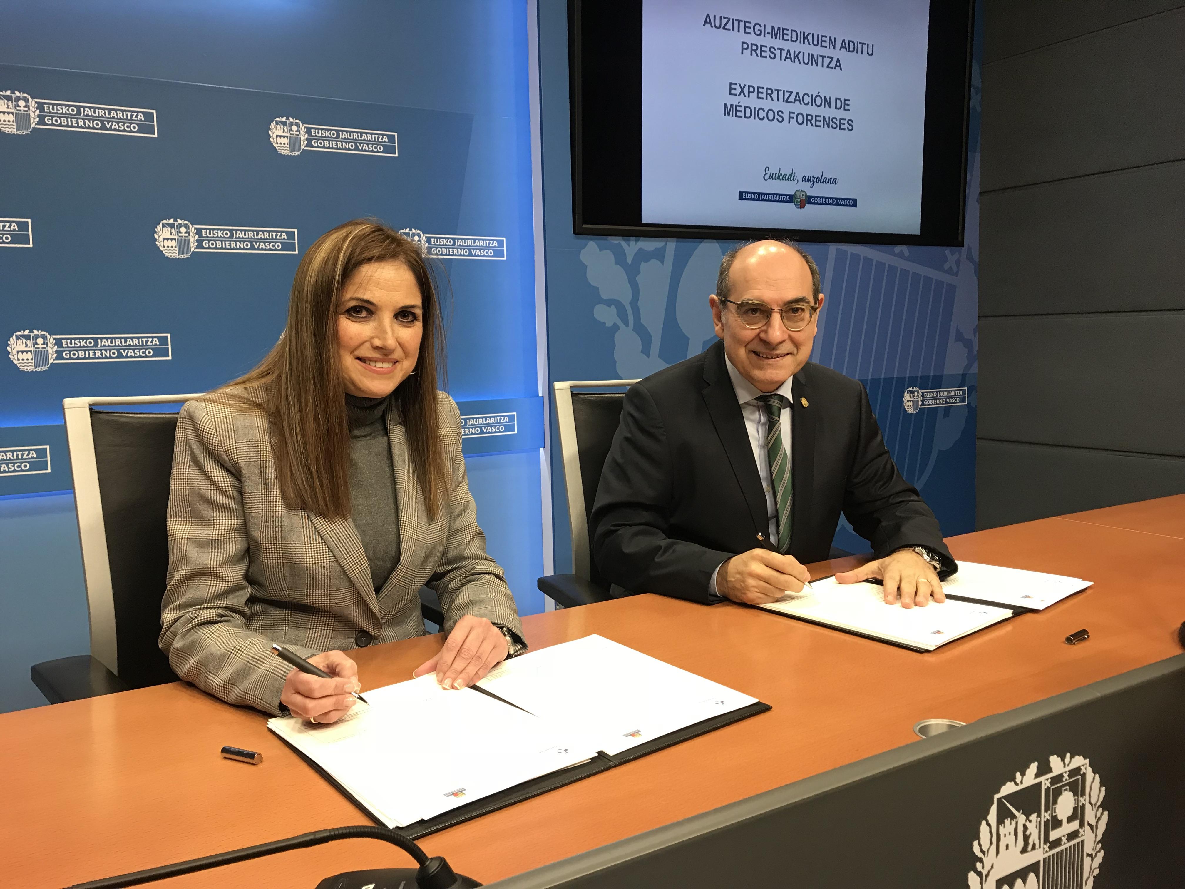 El Departamento de Salud y el Departamento de Trabajo y Justicia firman un acuerdo para la formación de médicos forenses y la realización de pruebas periciales