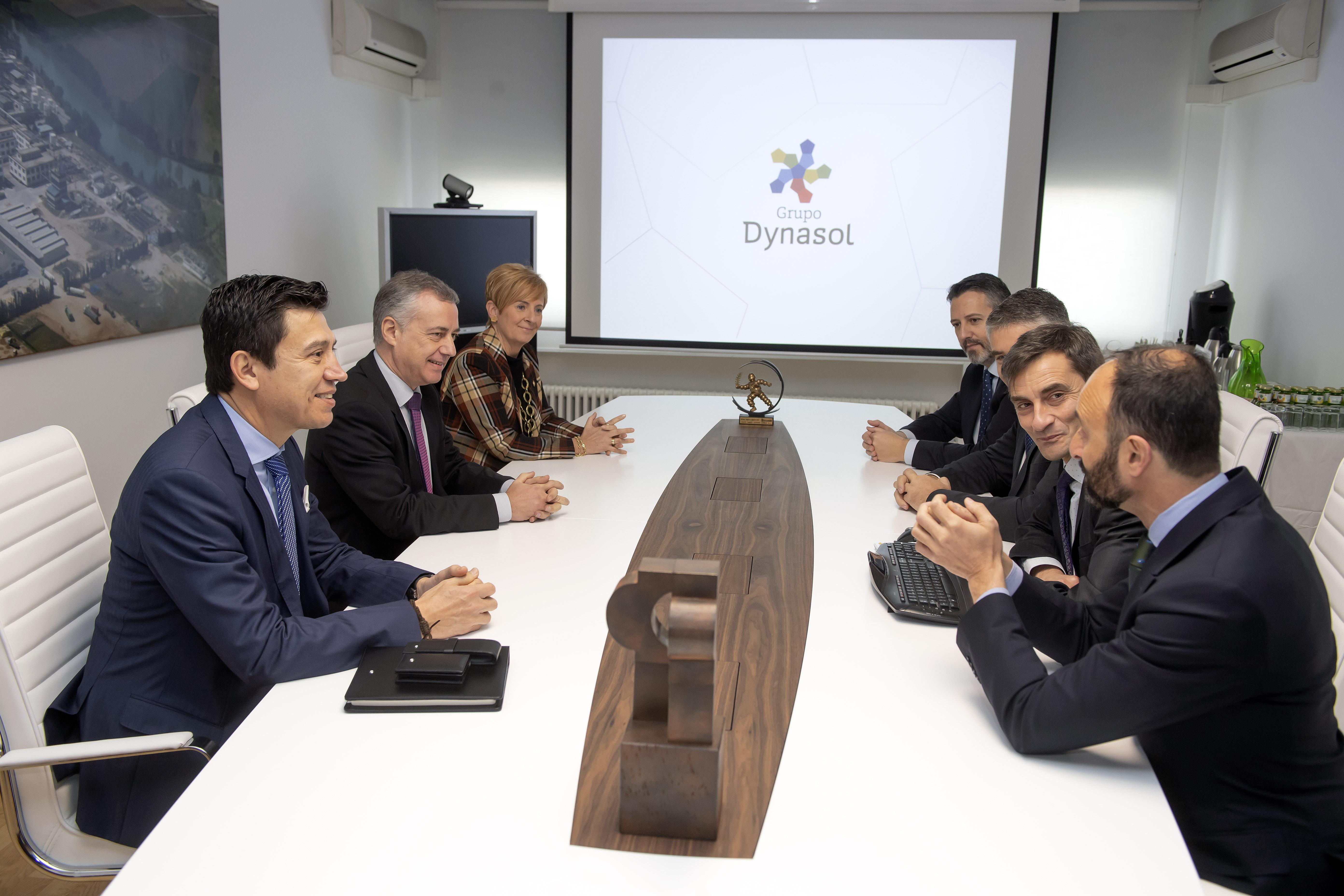 """Lehendakari aboga por seguir trabajando en pos de la reactivación de la economía, """"mejorando la competitividad y generando nuevas oportunidades de empleo de mayor calidad"""""""
