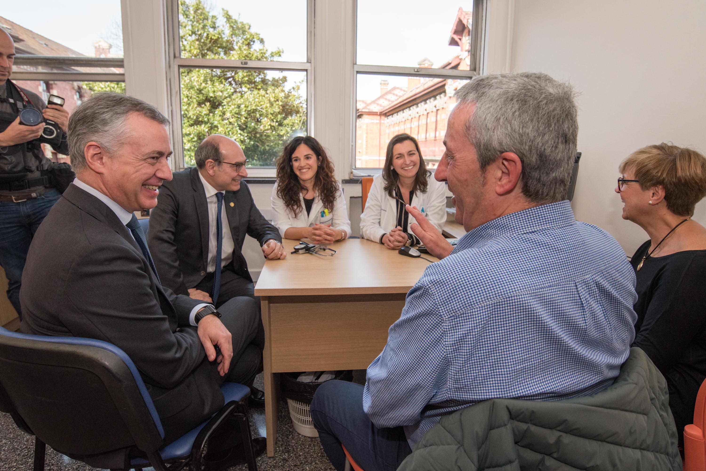 """El Lehendakari, Iñigo Urkullu: """"Las personas enfermas de ELA contarán con el apoyo de un servicio de psicología en Basurto, para hacer frente a su enfermedad"""""""