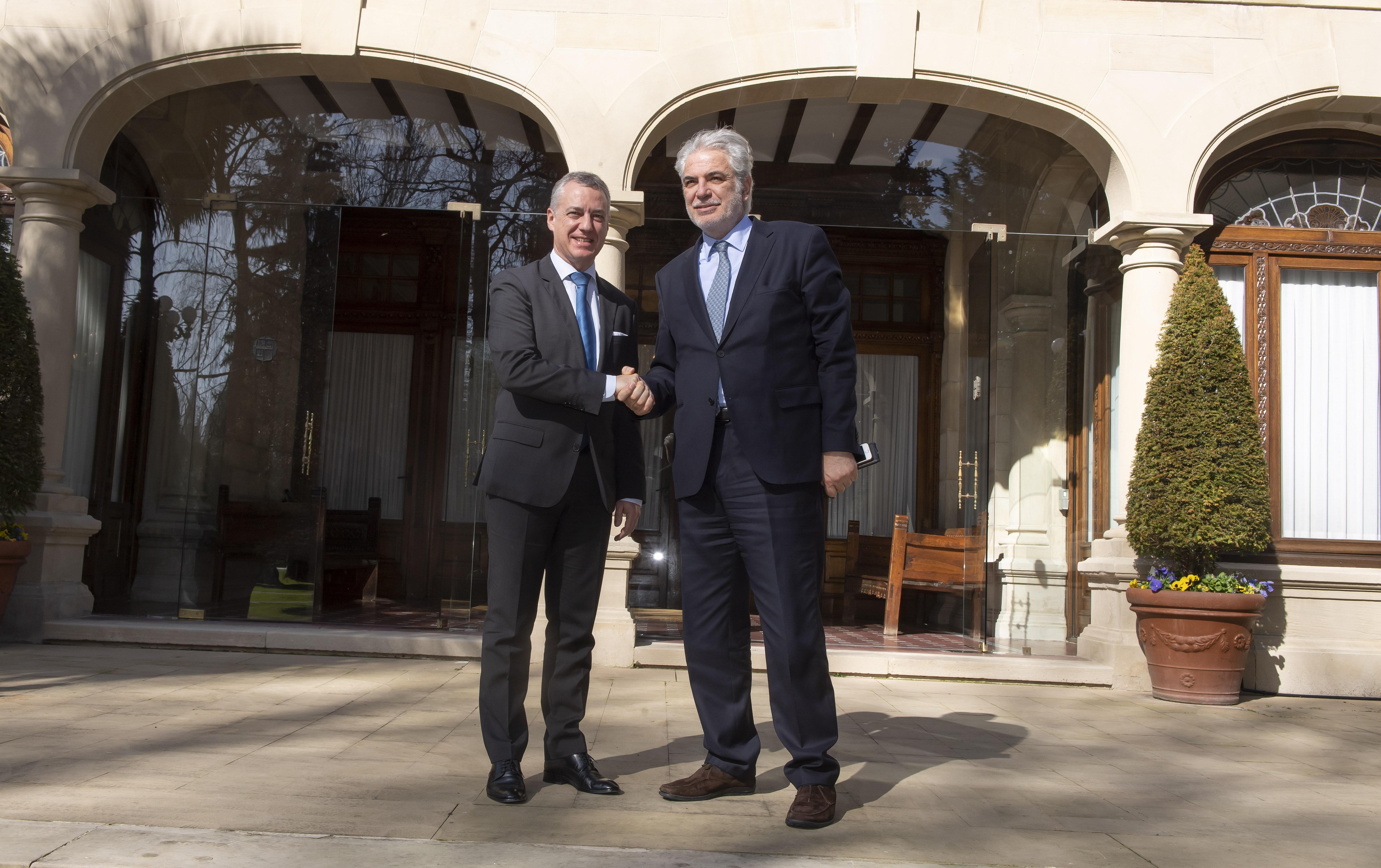 Lehendakariak Christos Stylianides Laguntza humanitarioko eta Krisi-kudeaketako Europako komisarioa hartu du