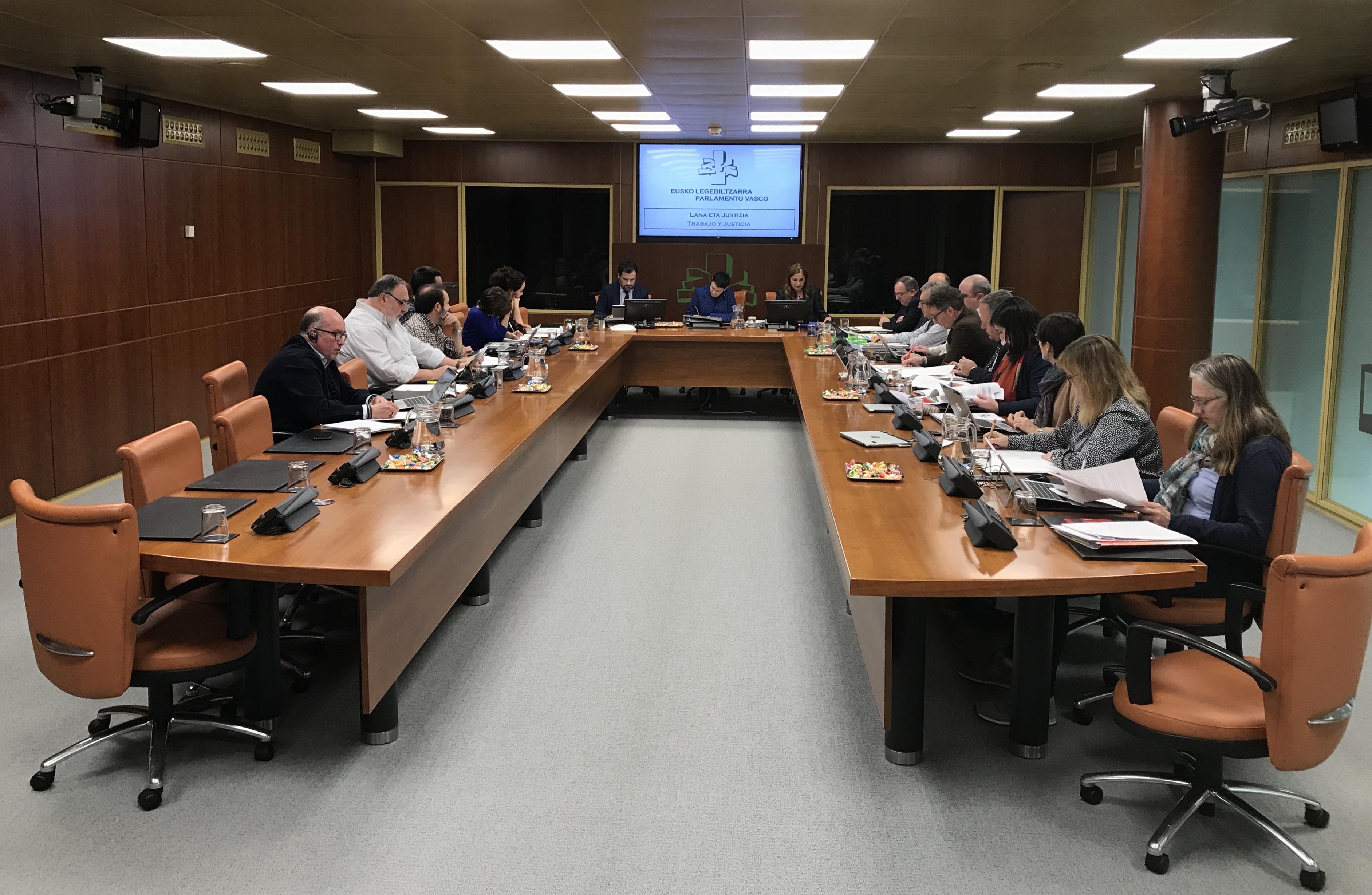 San José pide a los grupos parlamentarios vascos que la futura Ley de Cooperativas cuente con el mismo consenso y pleno respaldo que el alcanzado con el conjunto del sector cooperativo de Euskadi.