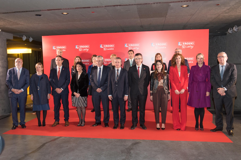 """Eroskiren zeregina nabarmendu du Lehendakariak """"kontsumo-kooperatiba"""" gisa"""