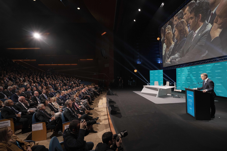 El Lehendakari invita a fortalecer juntos el modelo que aúna Desarrollo Humano y Crecimiento Sostenible