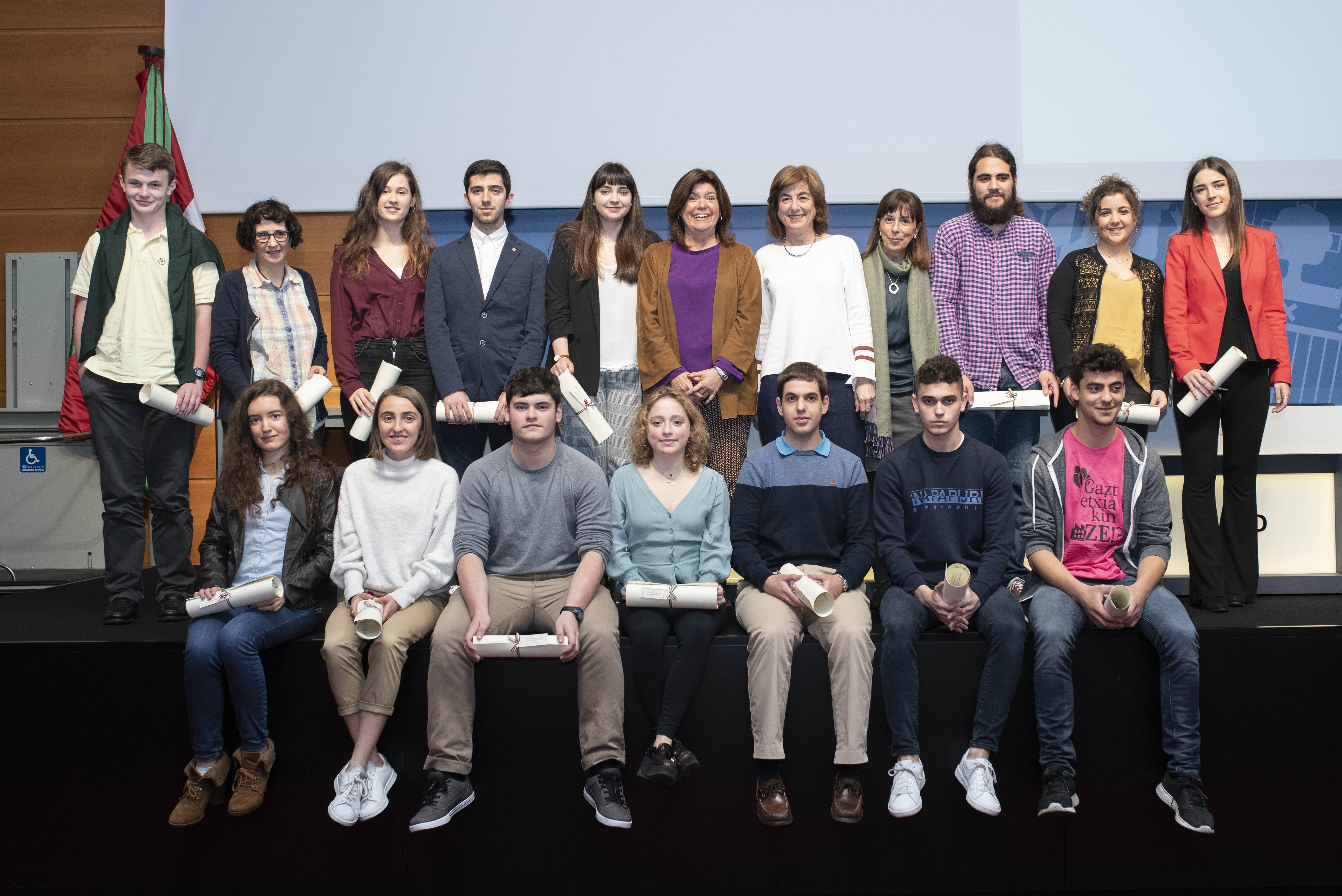 Cristina Uriarte entrega los Premios Extraordinarios de Bachillerato 2017-2018