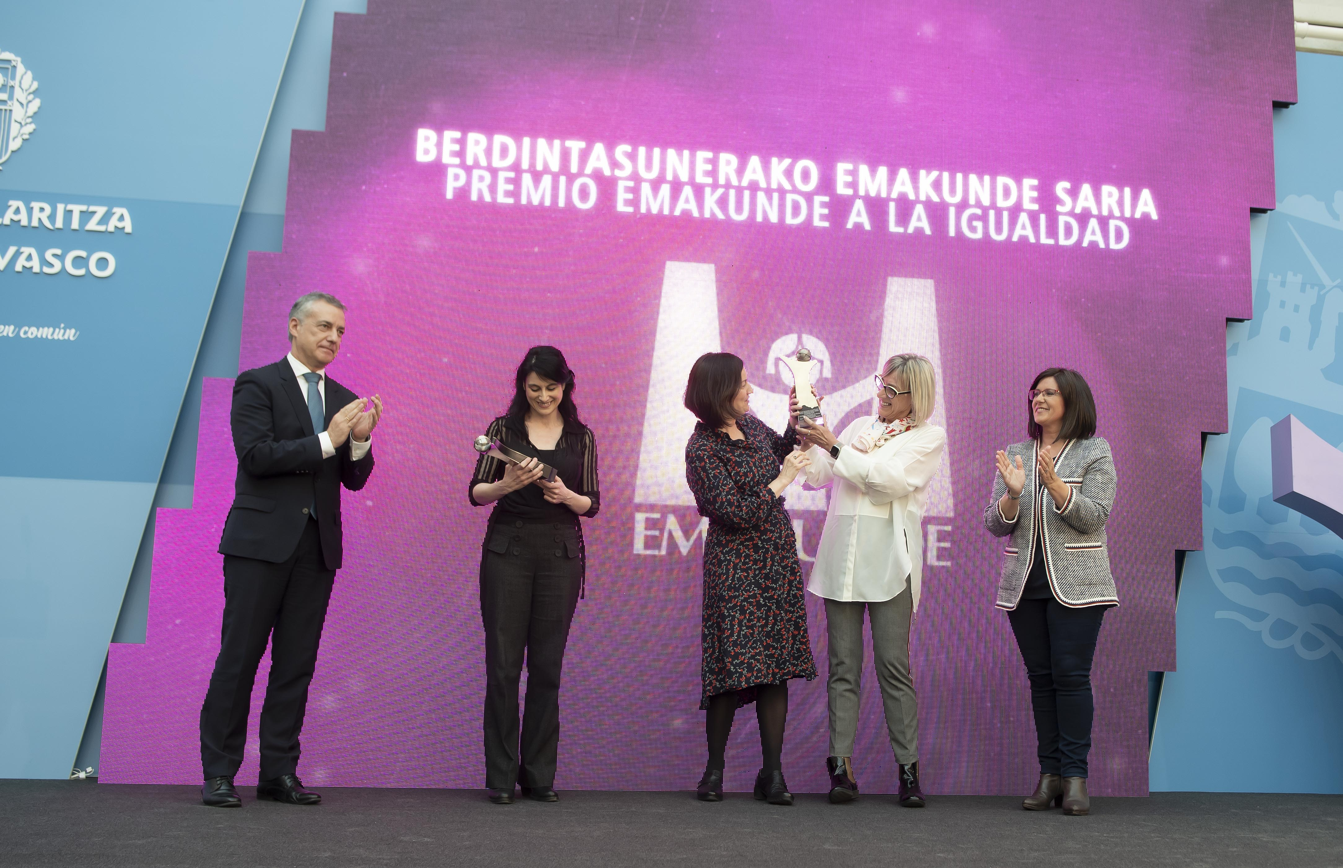 Los másteres de Igualdad de la UPV-EHU y de intervención en violencia contra las mujeres de Deusto reciben el Premio Emakunde