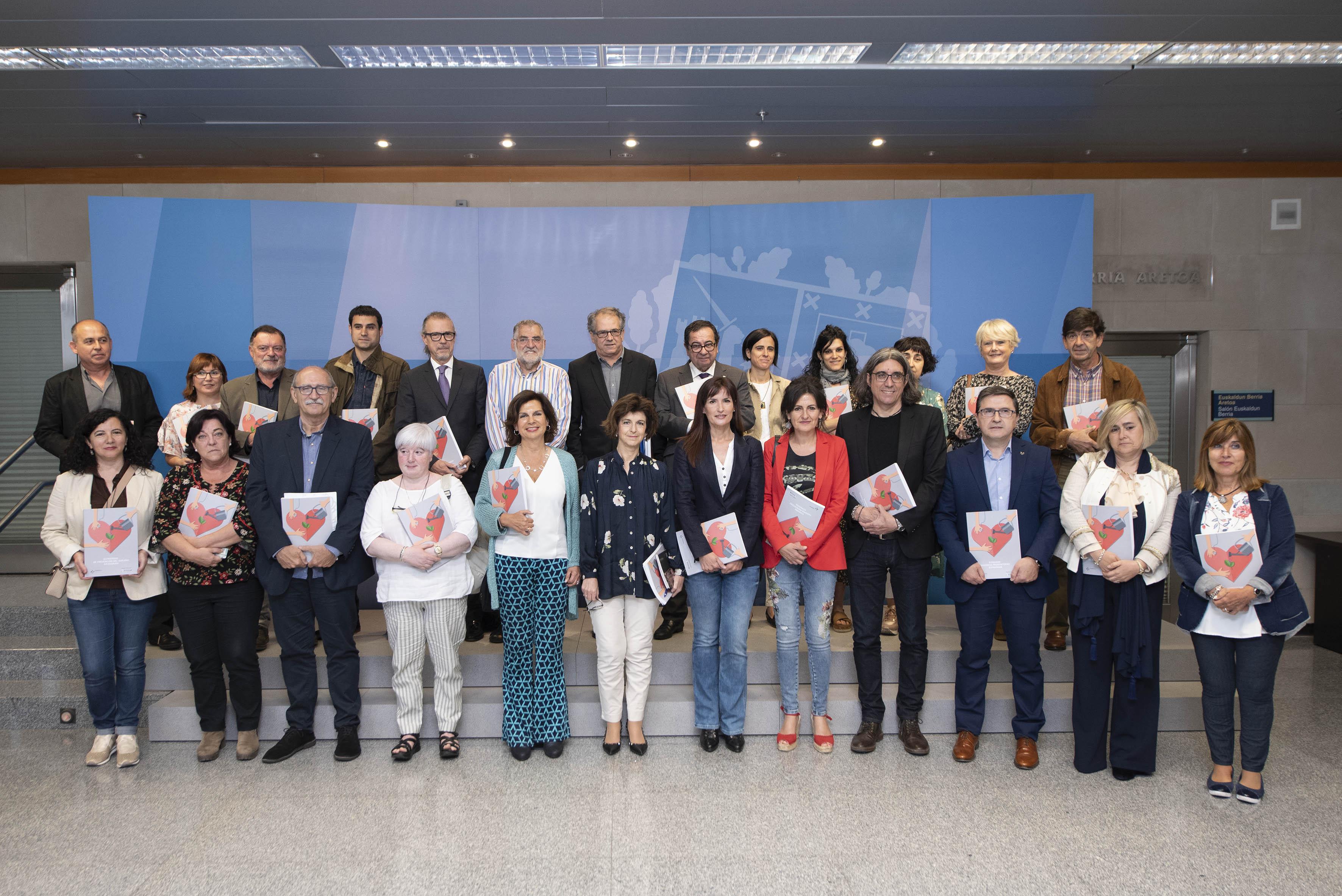 Euskadi impulsa la primera estrategia integral para reducir el impacto del suicidio a través de la prevención, la intervención temprana y la atención a las personas y familias afectadas