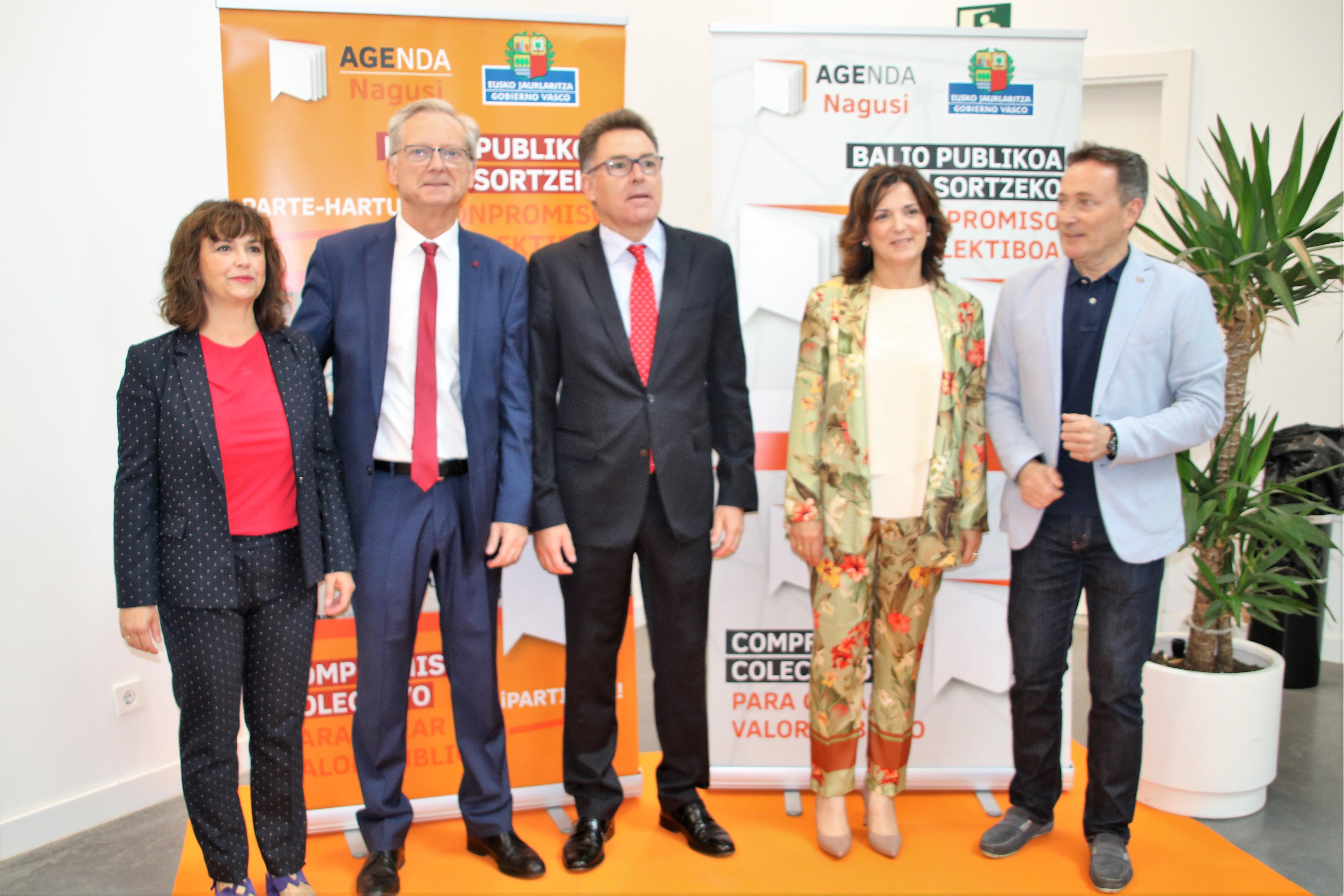 """Beatriz Artolazabal: """"AGENDA Nagusi, una oportunidad para que quienes envejecen definan los problemas que les afectan y colaboren en las decisiones"""""""