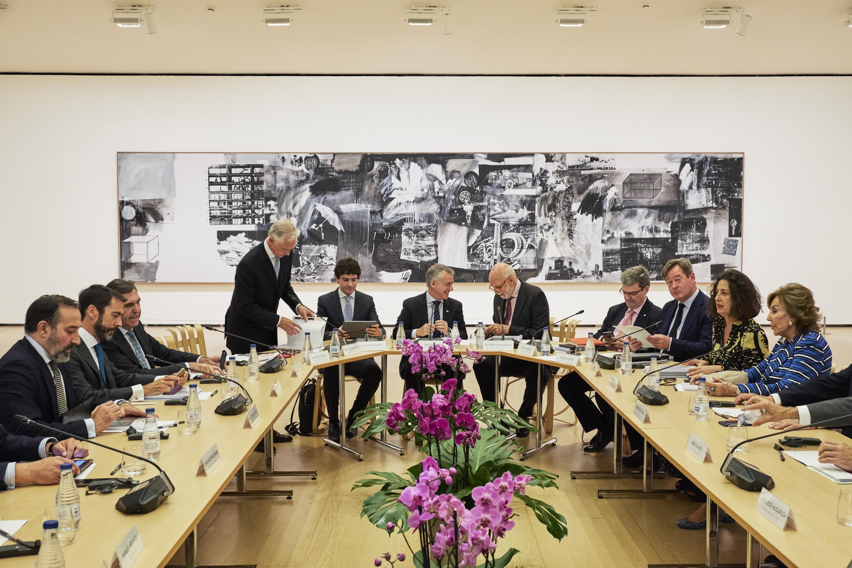 El Lehendakari preside la reunión del Patronato del Museo Guggenheim de Bilbao