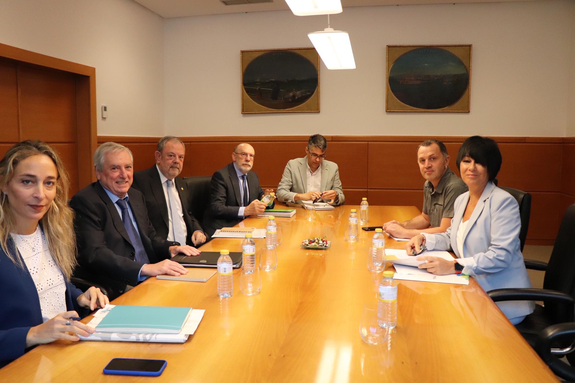Rueda de prensa del Consejero Azpiazu tras la reunión con EH-BILDU sobre el Presupuesto de la CAV de 2020
