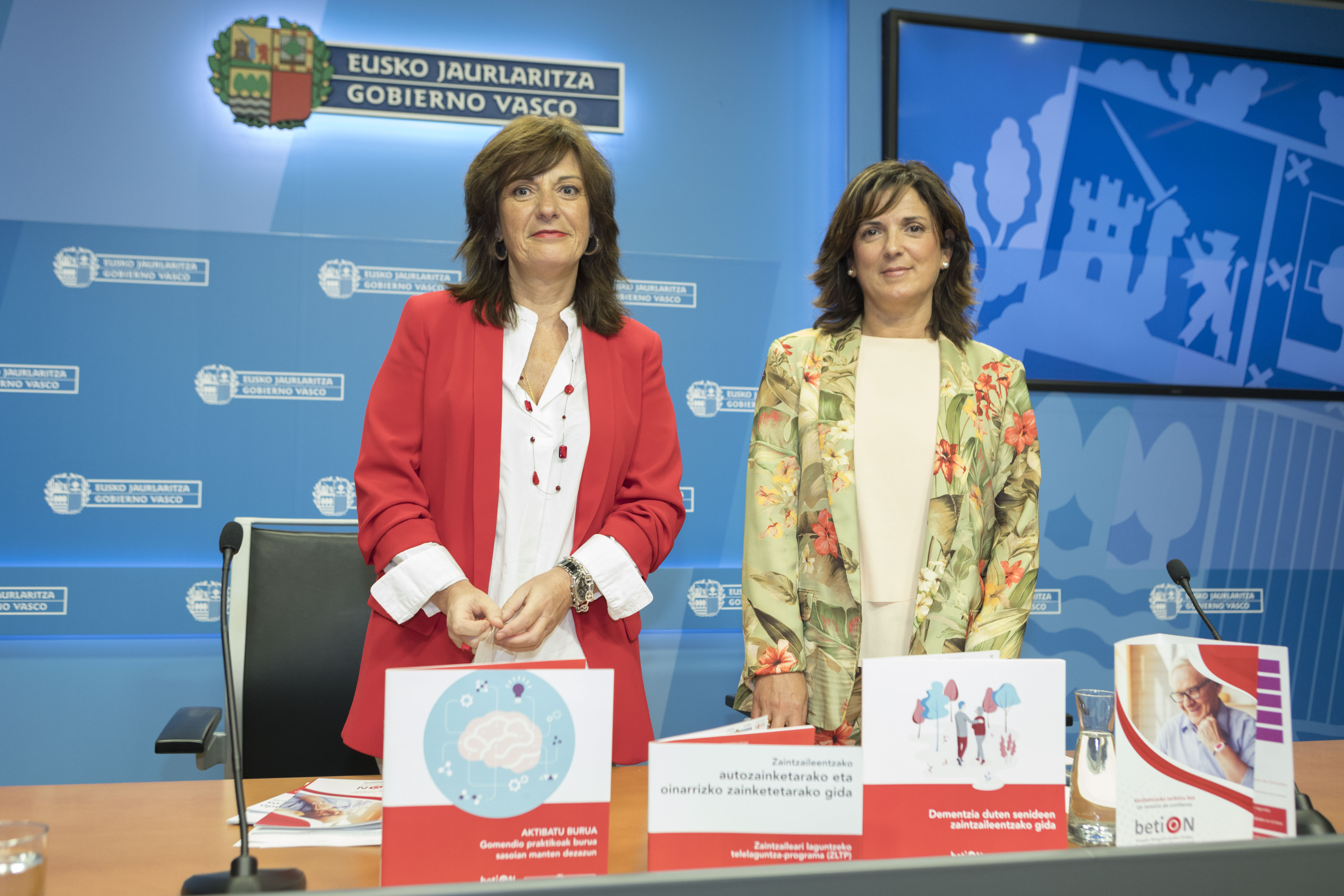 """Beatriz Artolazabal: """"el servicio de Teleasistencia betiOn constituye un referente internacional en la atención a las personas mayores a quienes facilita una autonomía, seguridad y empoderamiento"""""""