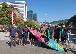 Zupiria kayak surf