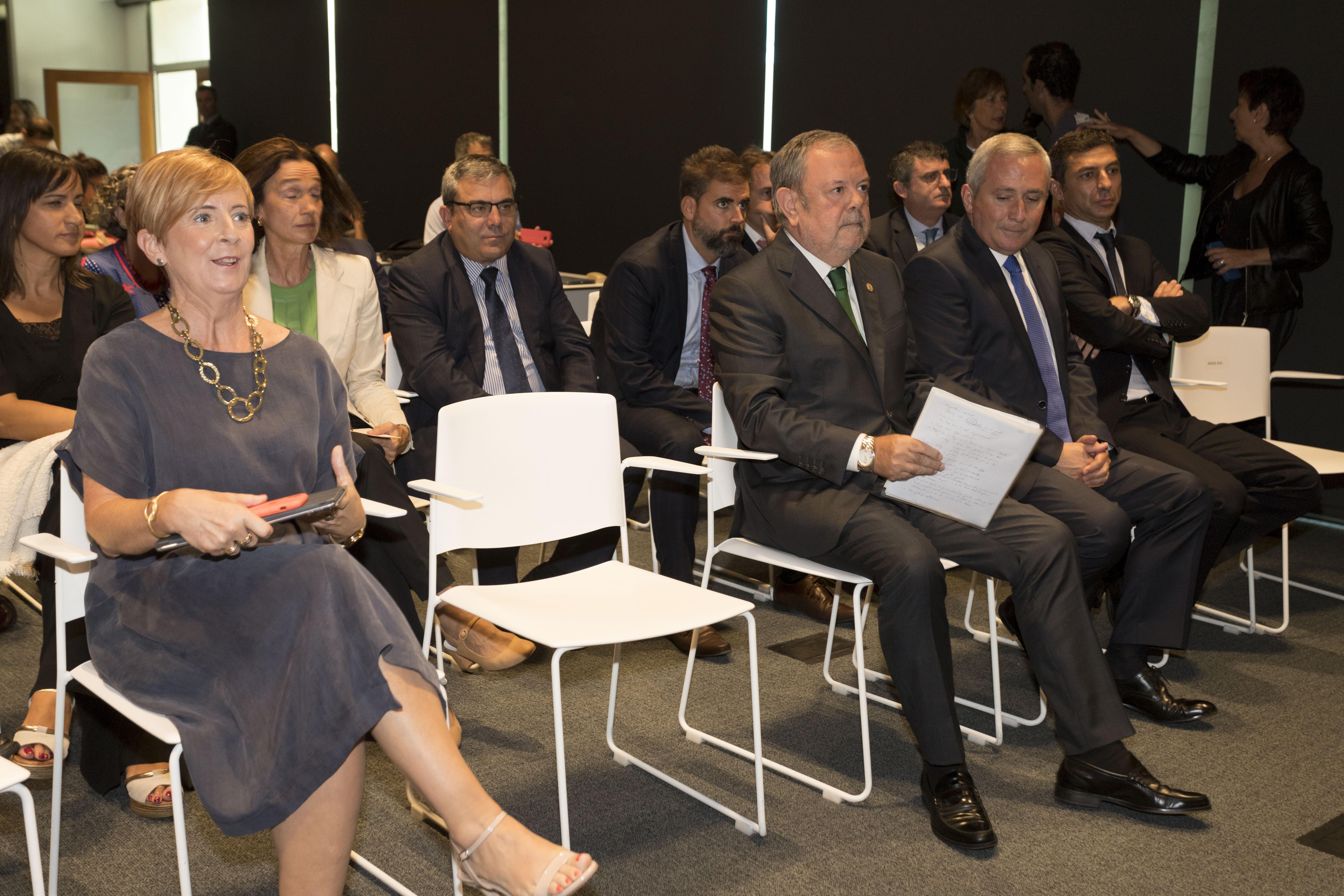 11_LHK_nueva_politica_financiera.jpg