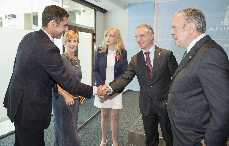 27_LHK_nueva_politica_financiera.jpg