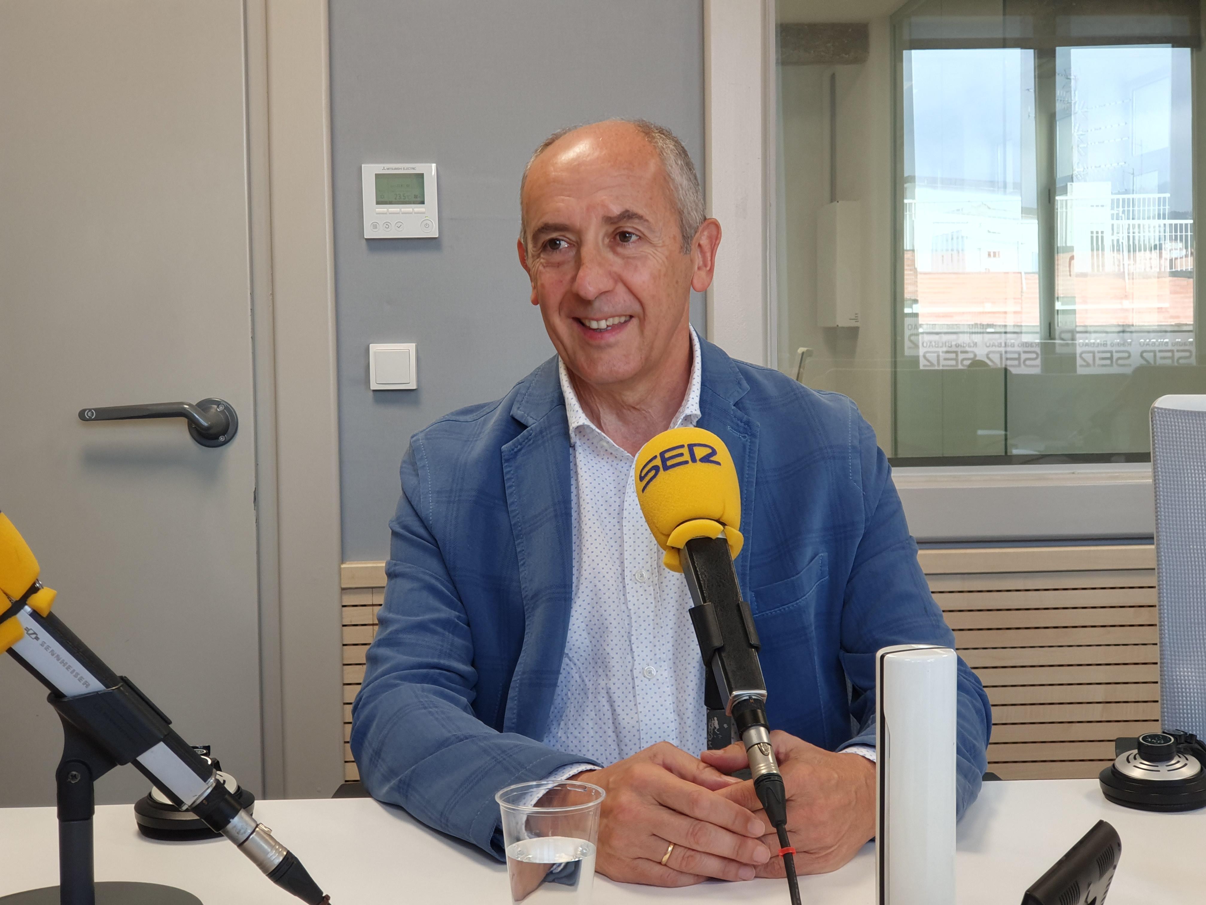 """Josu Erkoreka Cadena Ser-eko """"Hora 14 Euskadi"""" saioan elkarrizketatu dute"""
