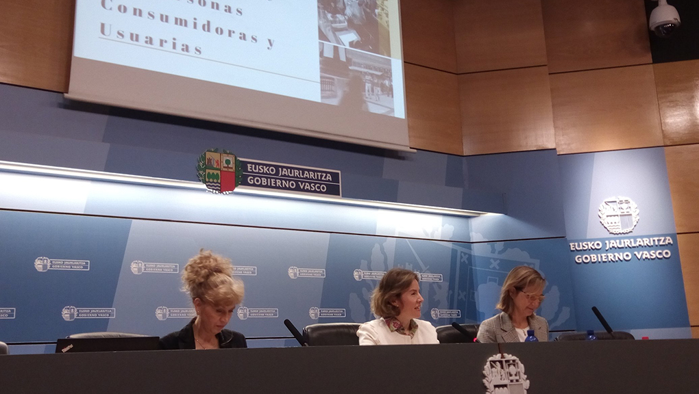 La nueva Ley de Estatuto de las Personas Consumidoras de Euskadi reforzará garantías e incluirá, como novedad, la indemnización por daños o perjuicios a las personas usuarias