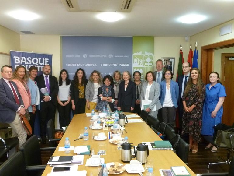 El Gobierno Vasco presenta en Madrid al Cuerpo Diplomático las bases del Concierto Económico