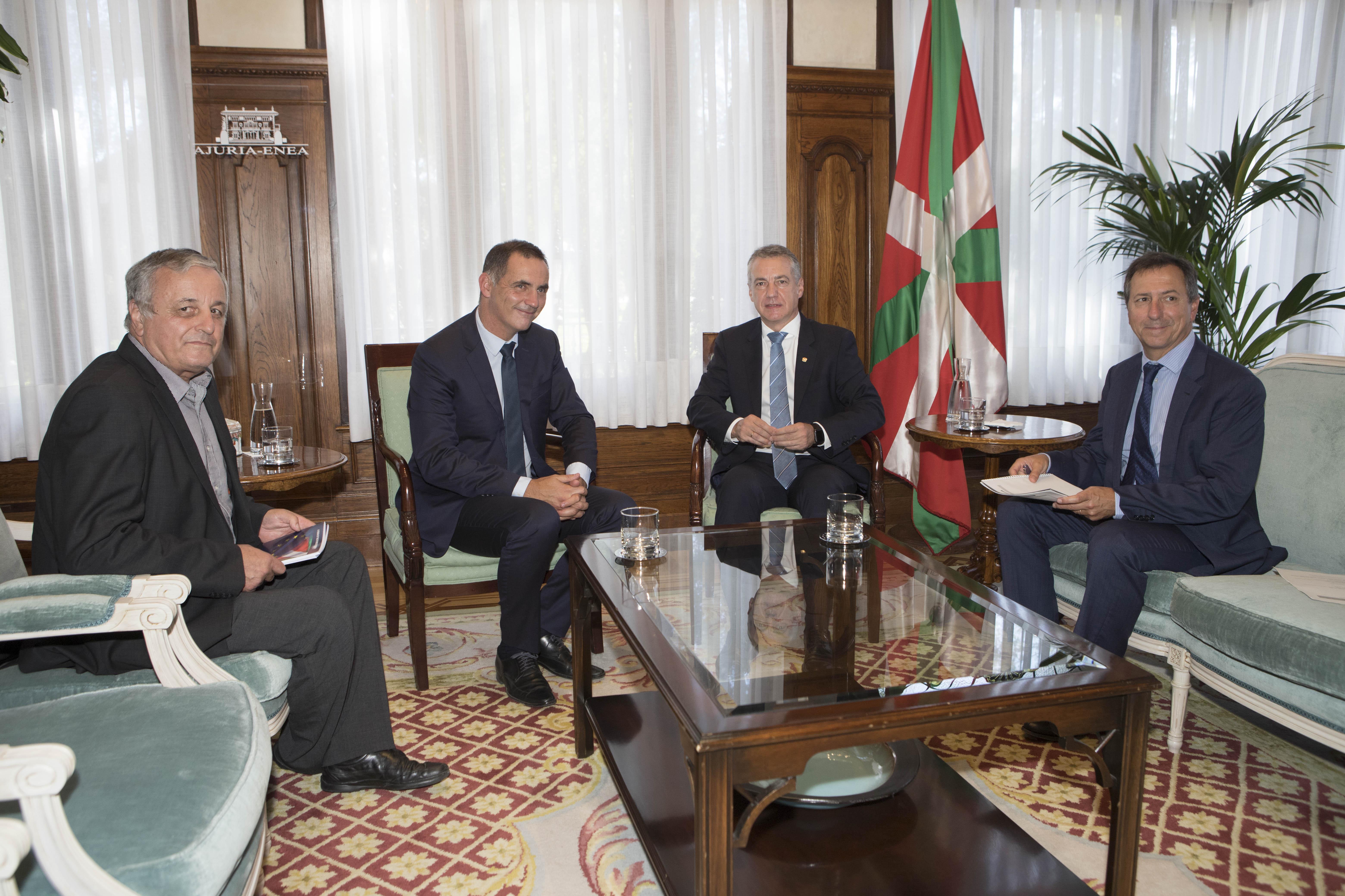El Lehendakari recibe al Presidente de Córcega