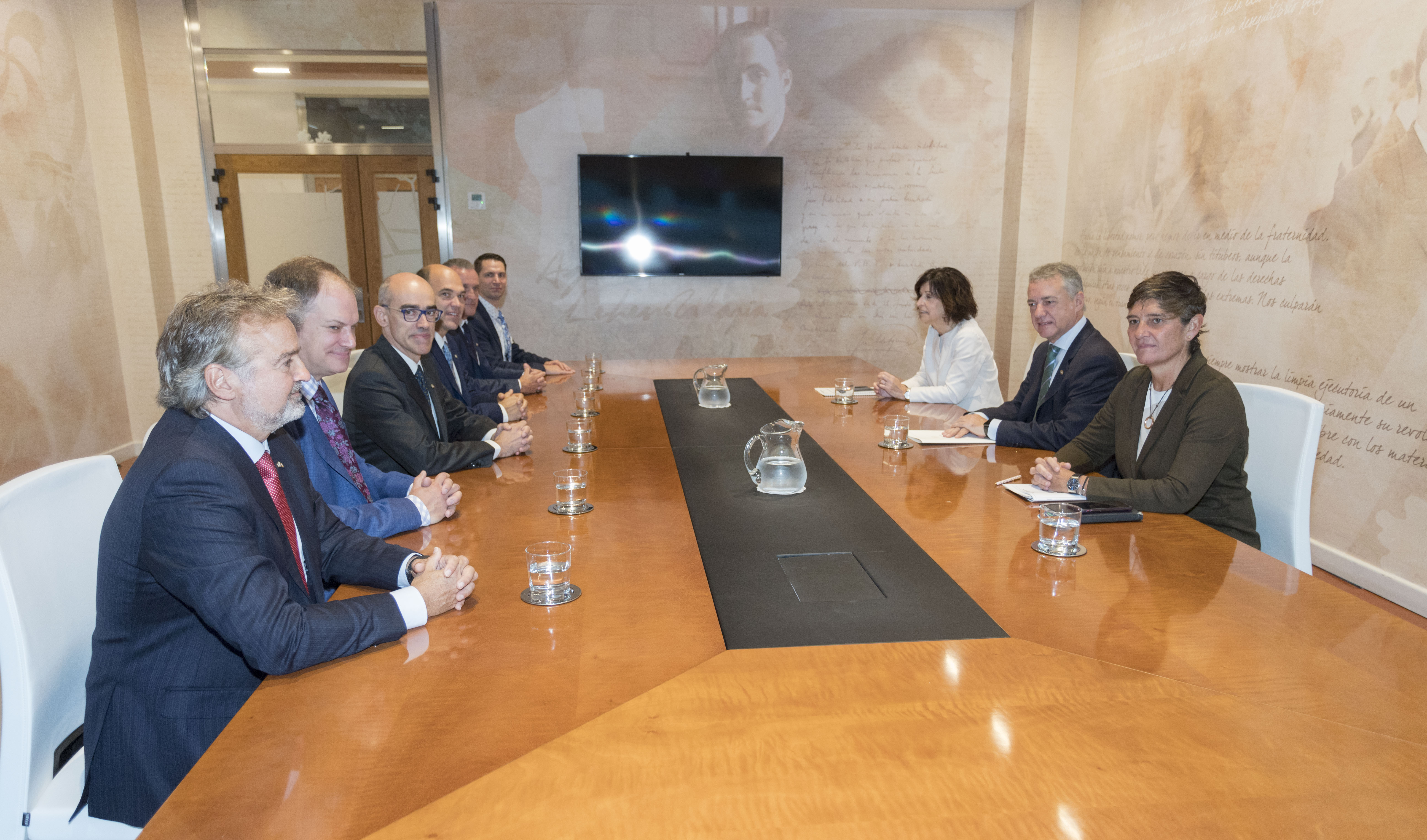"""El Lehendakari recibe a una delegación de Quebec que participa en """"Euskadi Learning Tour"""""""