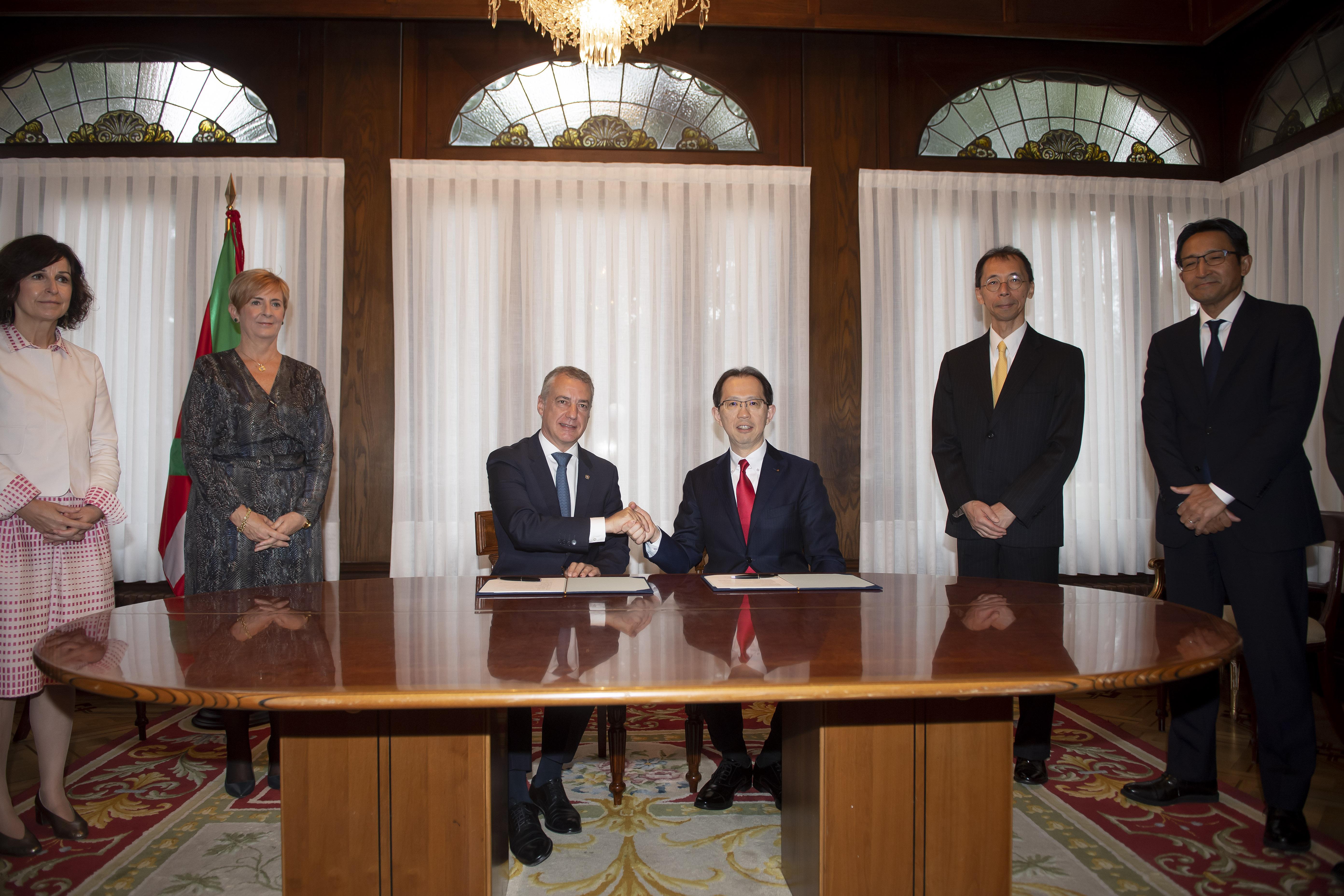 Euskadi y Fukushima firman un Memorando de Entendimiento