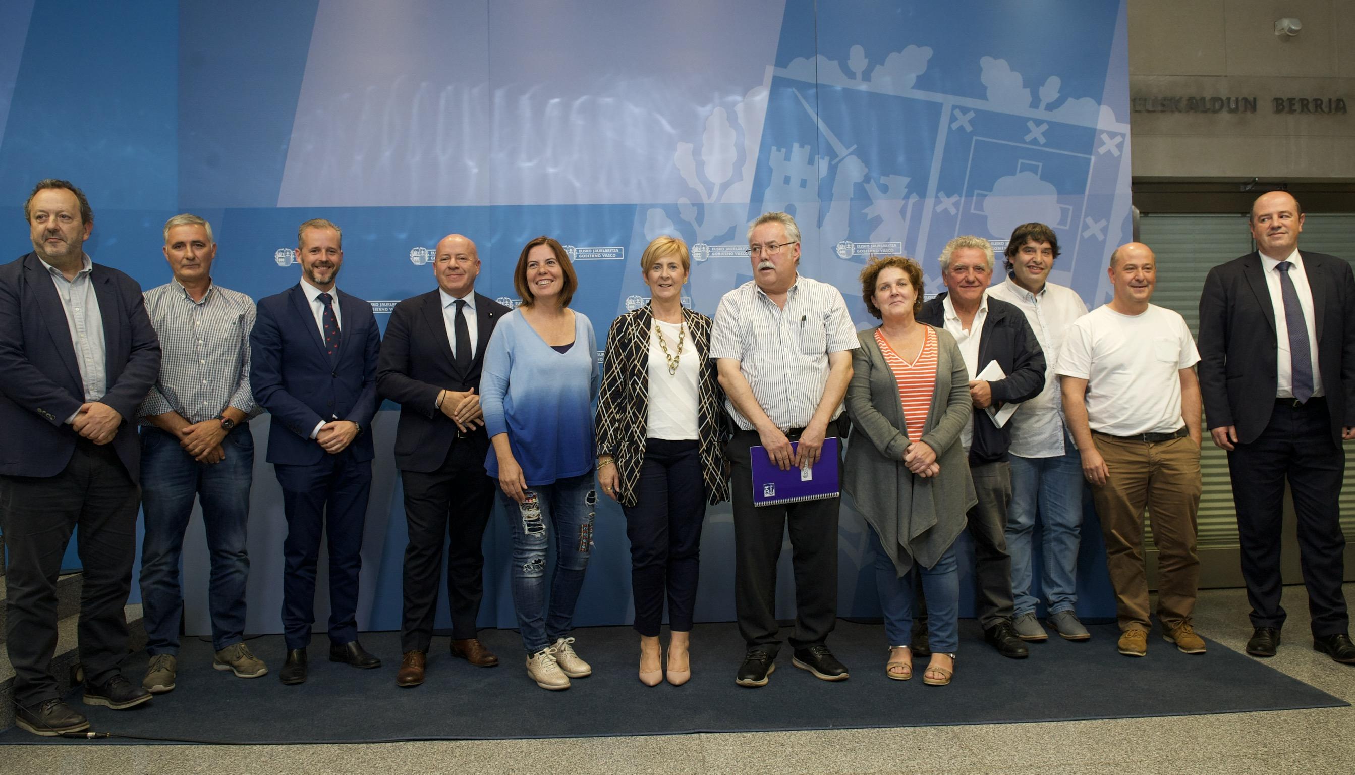 El Gobierno Vasco refuerza su estrategia de apoyo al sector vitivinícola ante las dificultades del mercado internacional