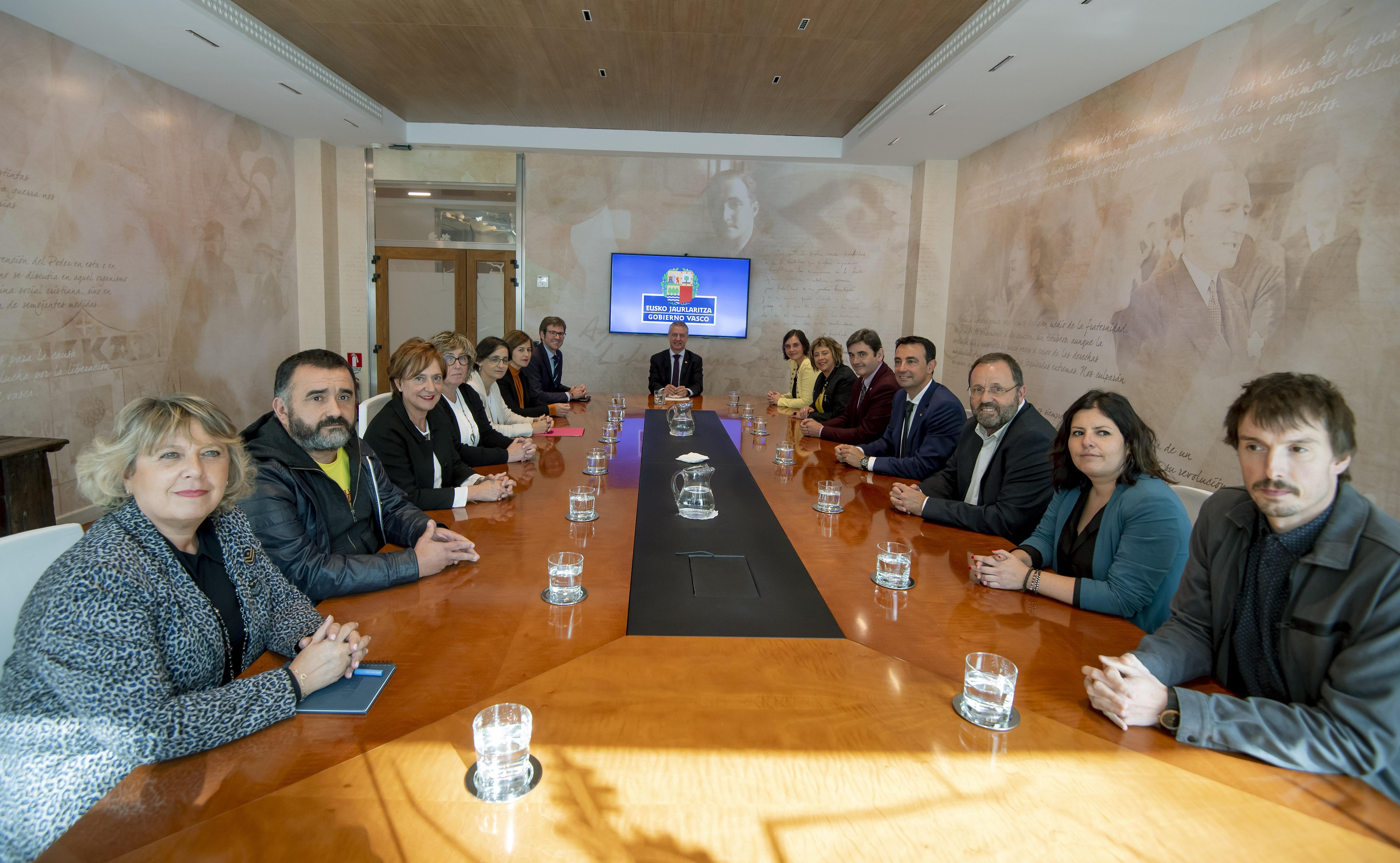 El Lehendakari se reúne con la Comisión Ejecutiva de EUDEL