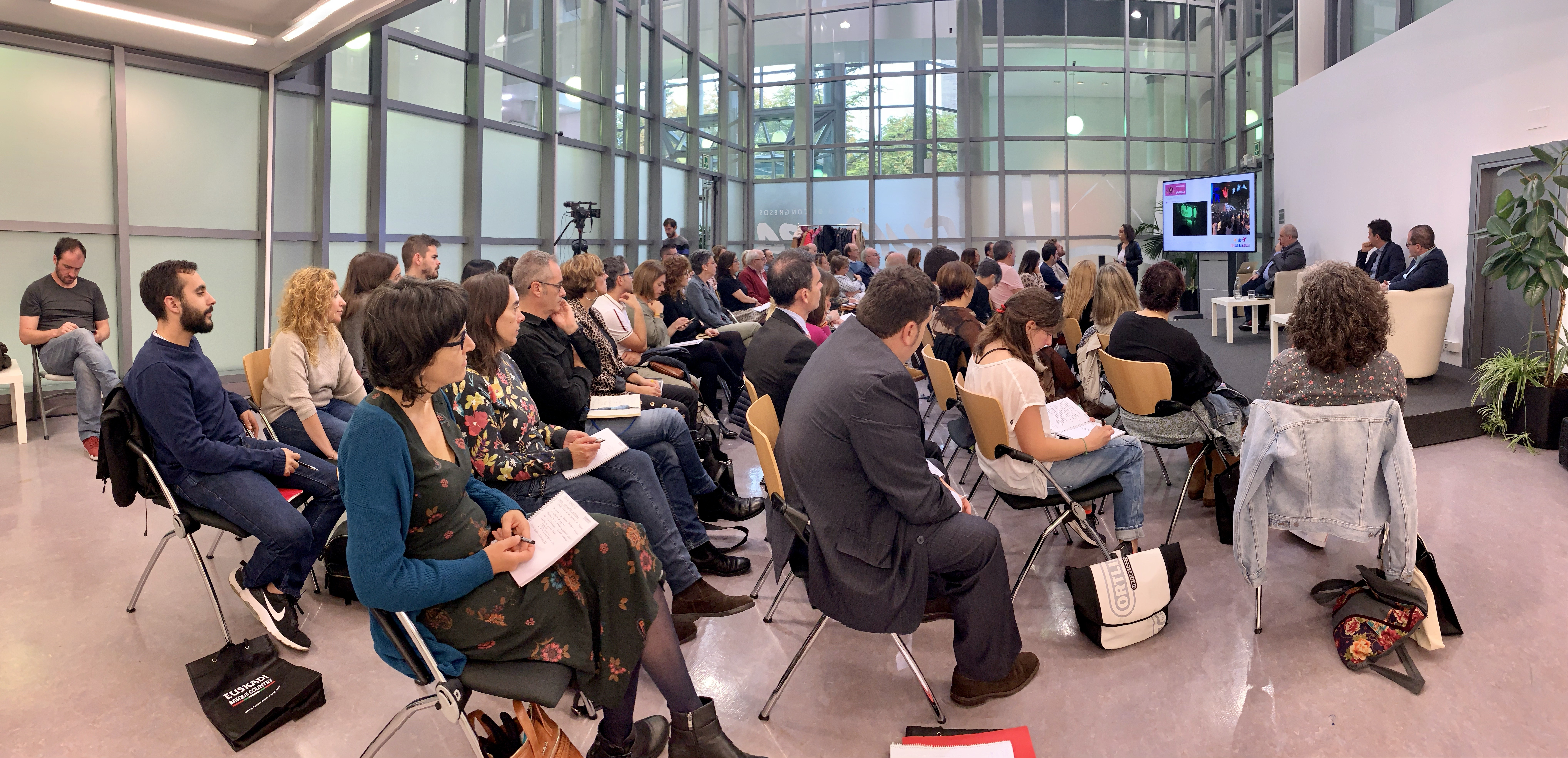 """La jornada """"Irekia Eraiki II"""" aborda las claves del Gobierno Abierto en el ámbito de la participación ciudadana entre las administraciones y la juventud"""