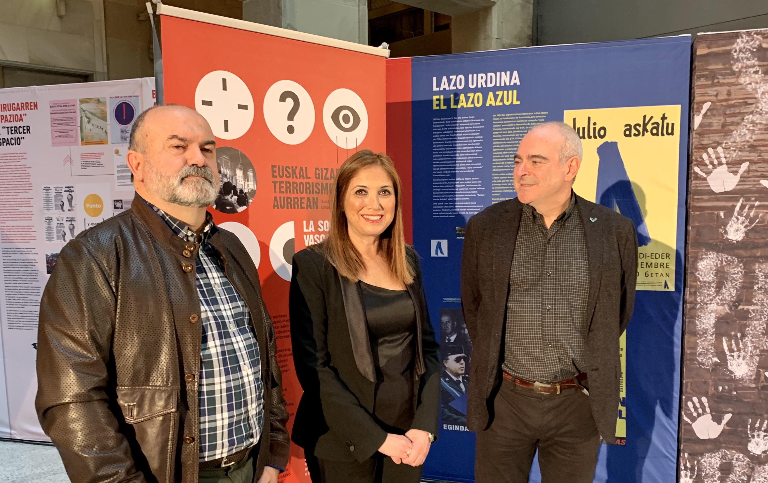 """San Josék """"Euskal Gizartea terrorismoaren aurrean"""" erakusketa inauguratu du"""