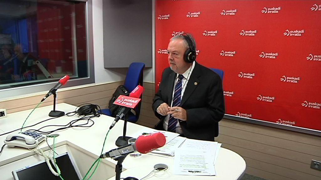 """Pedro Azpiazu: """"Gobernuaren helburua aurrekontuak onartzea da"""""""