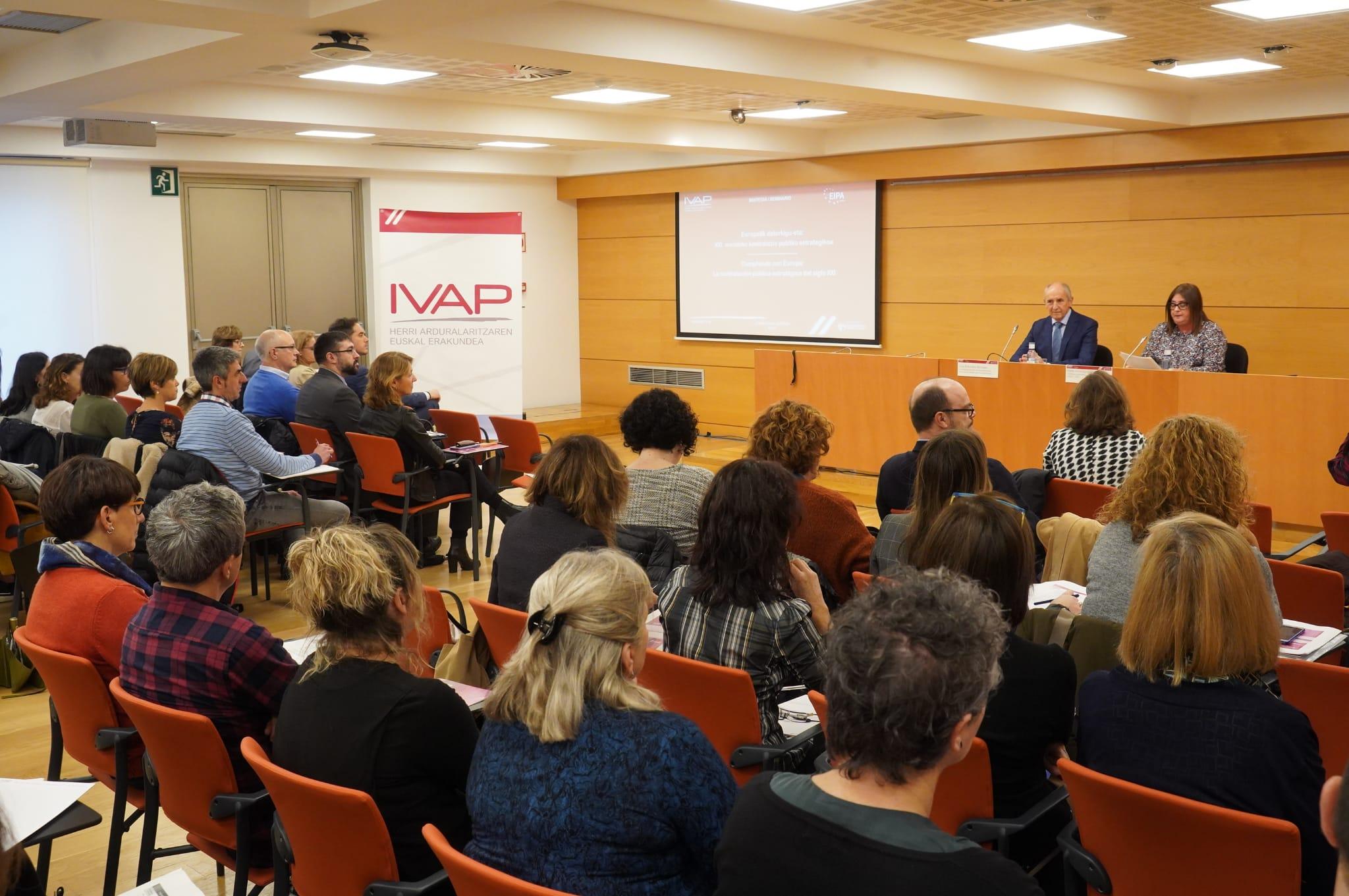 Euskadiko hiru maila instituzionaletako profesionalak prestatzen ditu IVAP-ek kontratazio publikoan