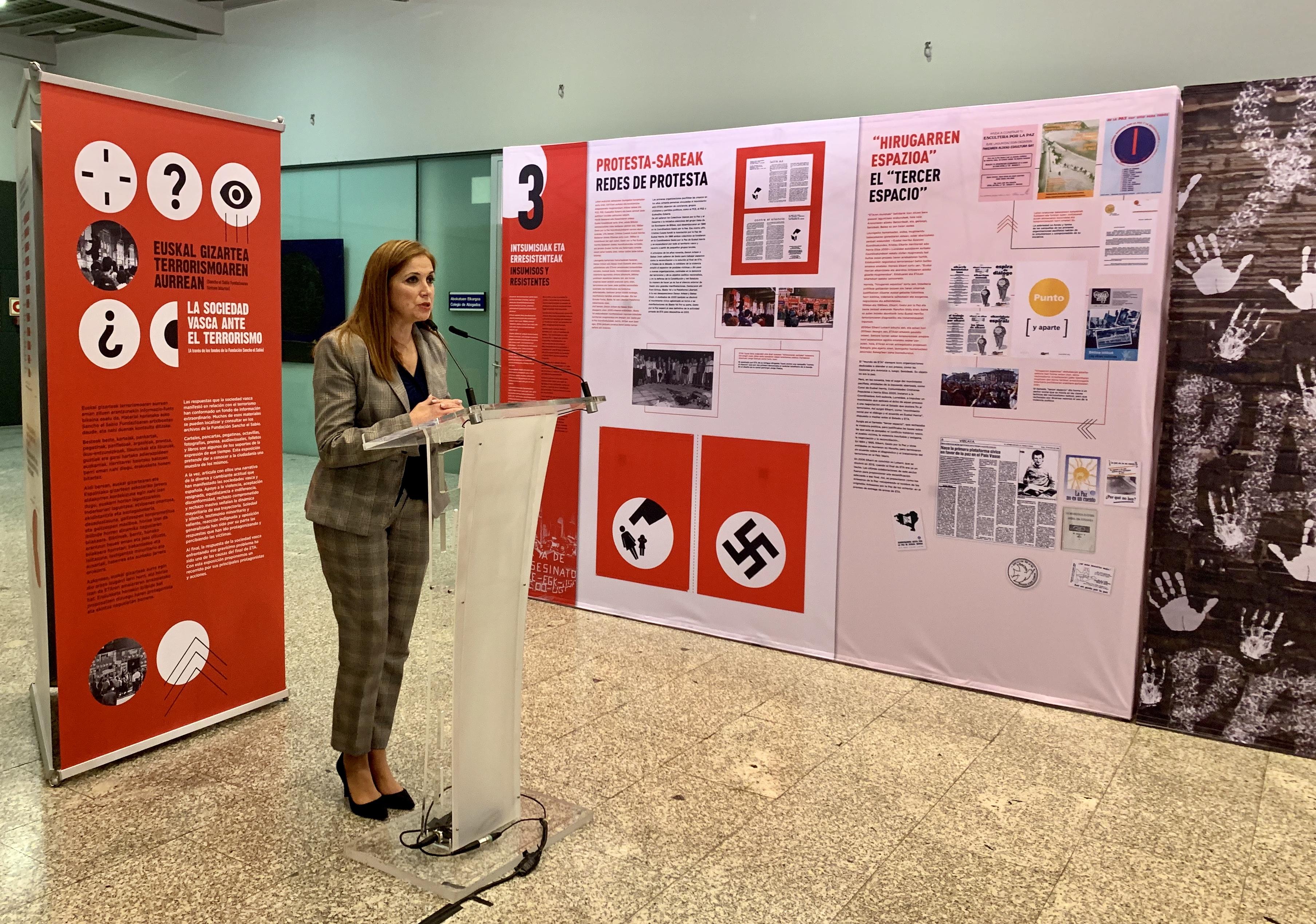 """La  exposición """"La sociedad vasca ante el terrorismo"""" estará en el Palacio de Justicia de Donostia hasta el 27 de diciembre"""