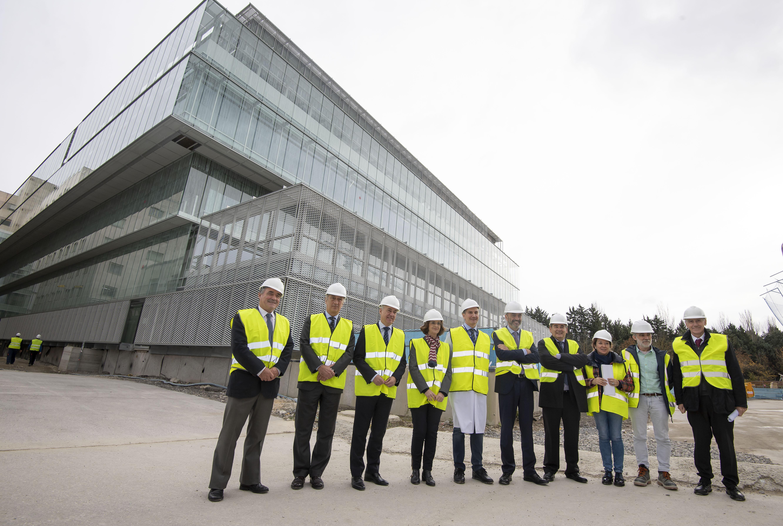 El Lehendakari visita las obras del nuevo edificio de servicios generales del Hospital Universitario Araba