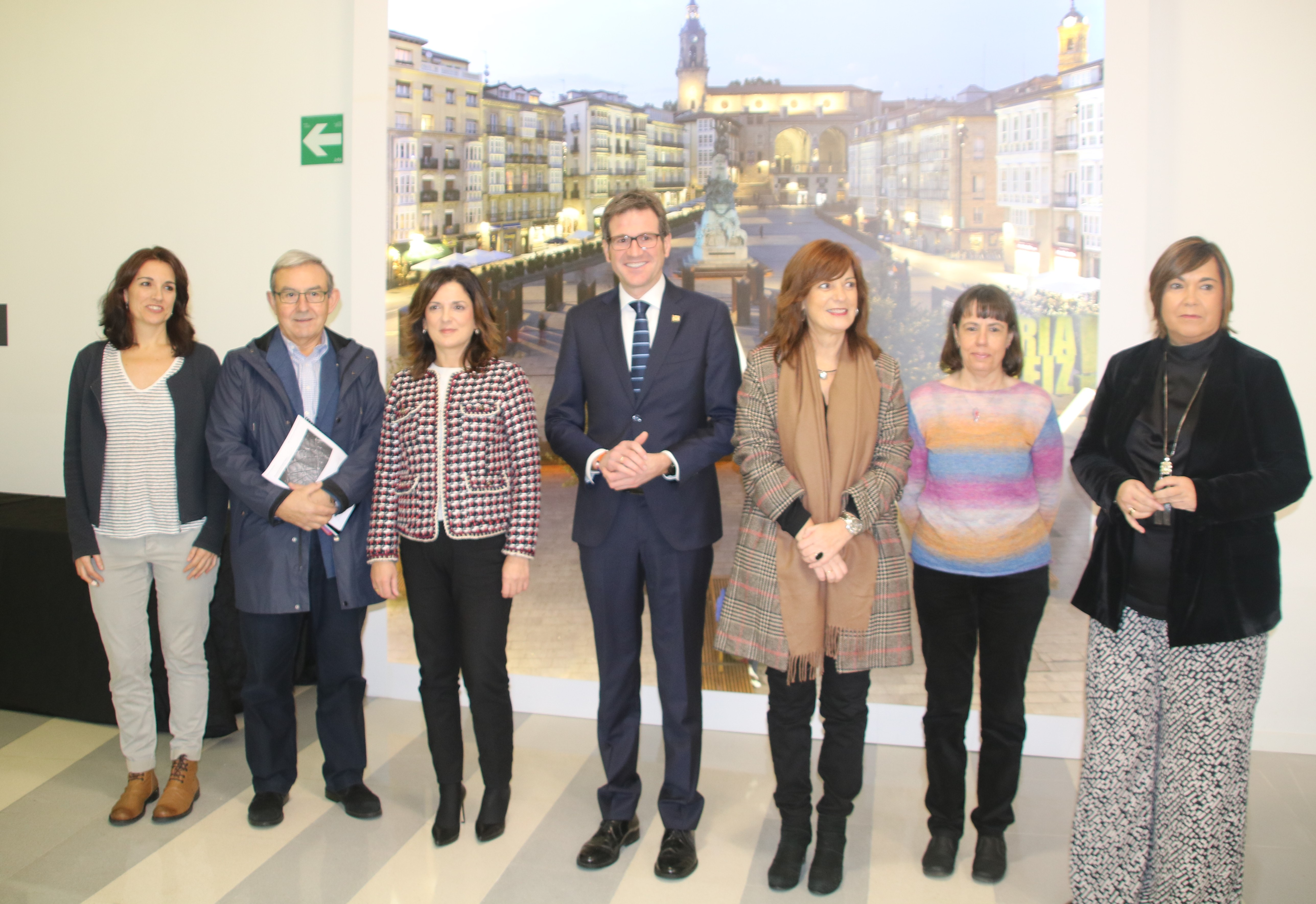 """Beatriz Artolazabal y Gorka Urtaran animan a los municipios vascos """"a seguir liderando la promoción y buenas prácticas en la gestión sostenible de los servicios sociales locales"""""""