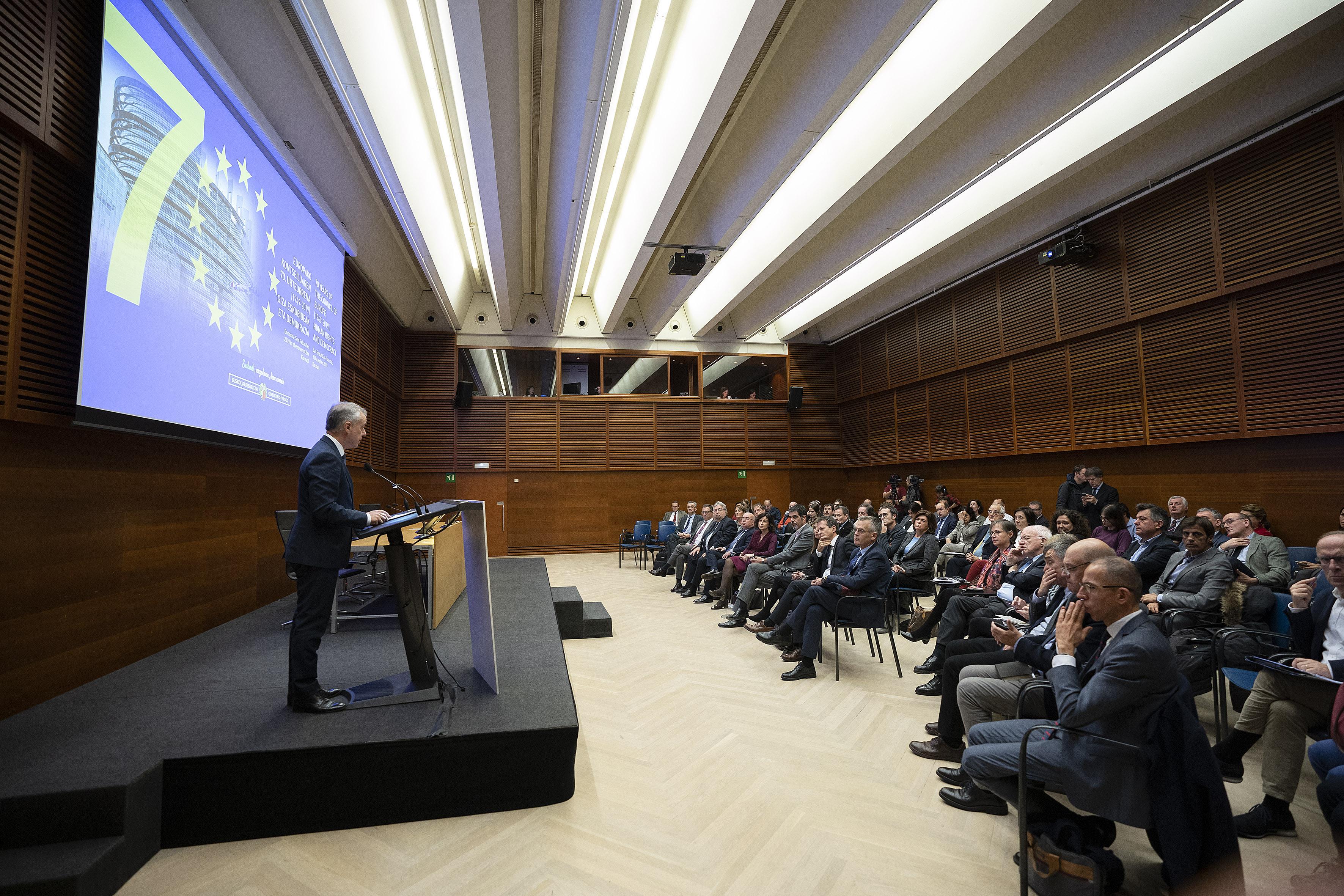 """Lehendakari: """"El Gobierno Vasco ha sido abierto y propositivo en la acción internacional"""""""