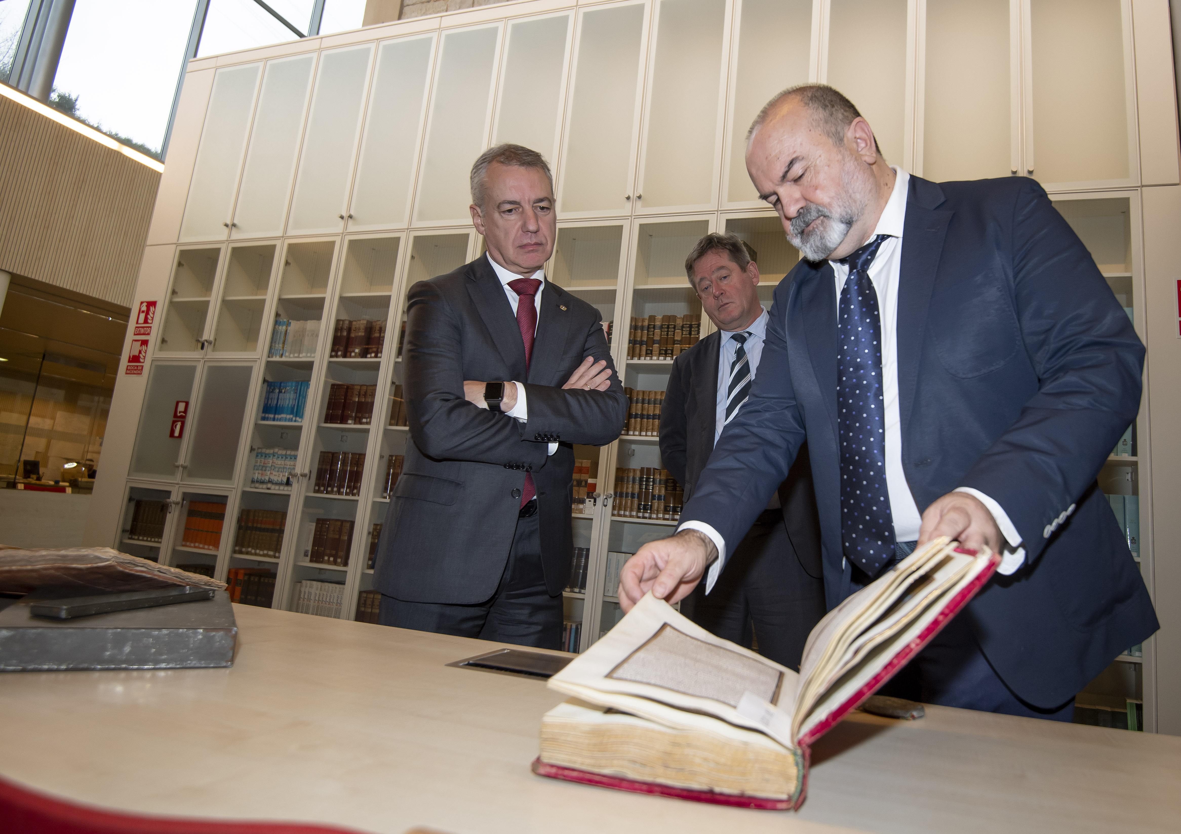 El Lehendakari destaca la importancia de conocer y conservar la historia y el patrimonio para contribuir a construir un futuro mejor