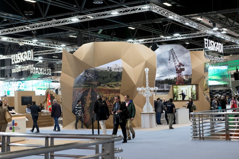 Fitur 2020 stands 2