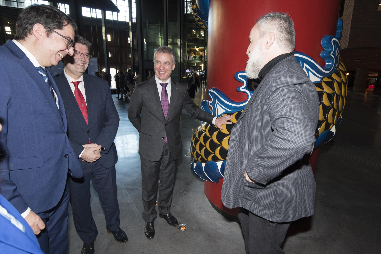 El Lehendakari Iñigo Urkullu visita Azkuna Zentroa, el Centro de Sociedad y Cultura Contemporánea de Bilbao, por su décimo aniversario