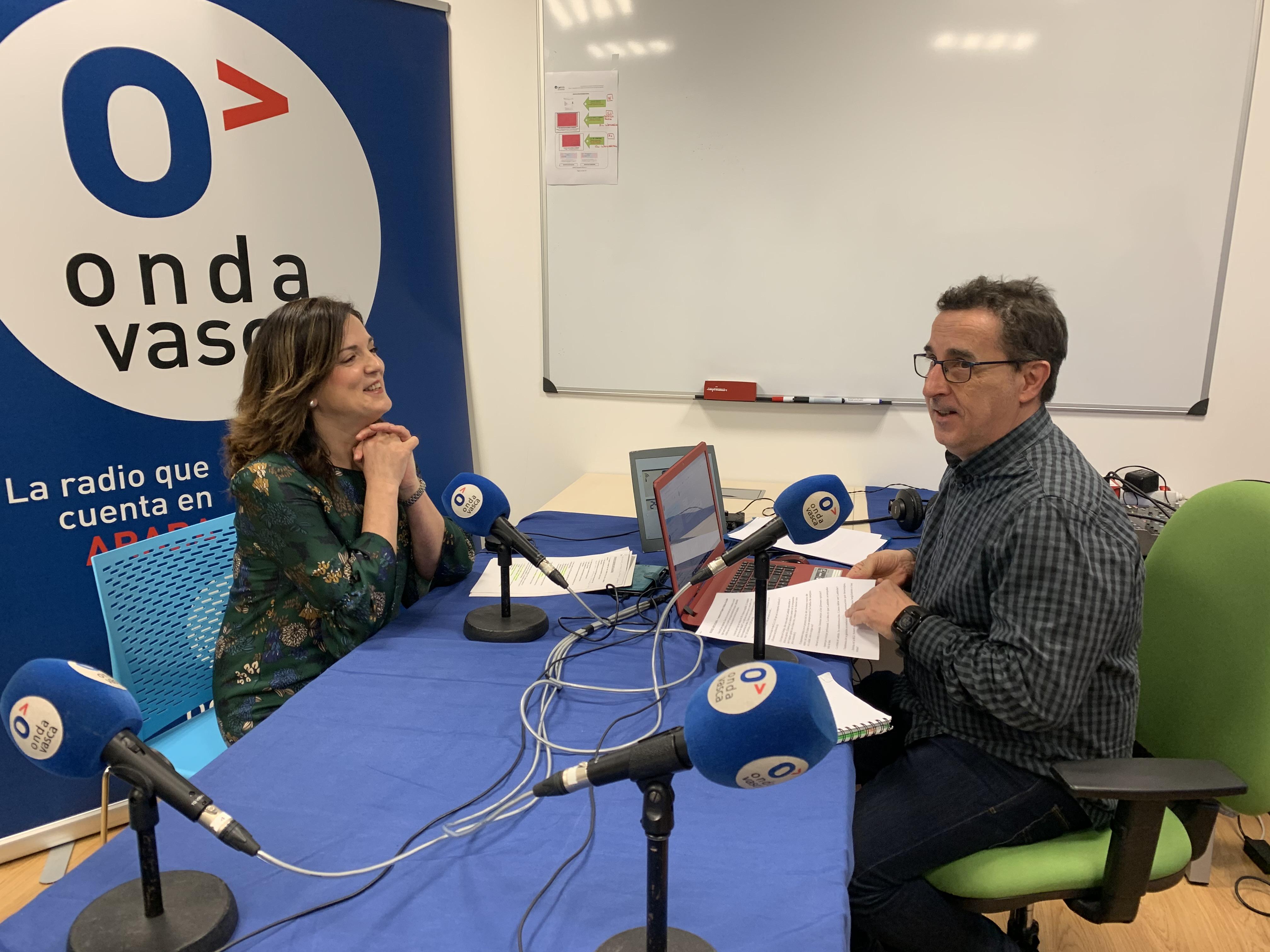 La Consejera Beatriz Artolazabal subraya la irresponsabilidad de los sindicatos ELA y LAB por su ausencia en la Mesa de Diálogo Social [16:34]