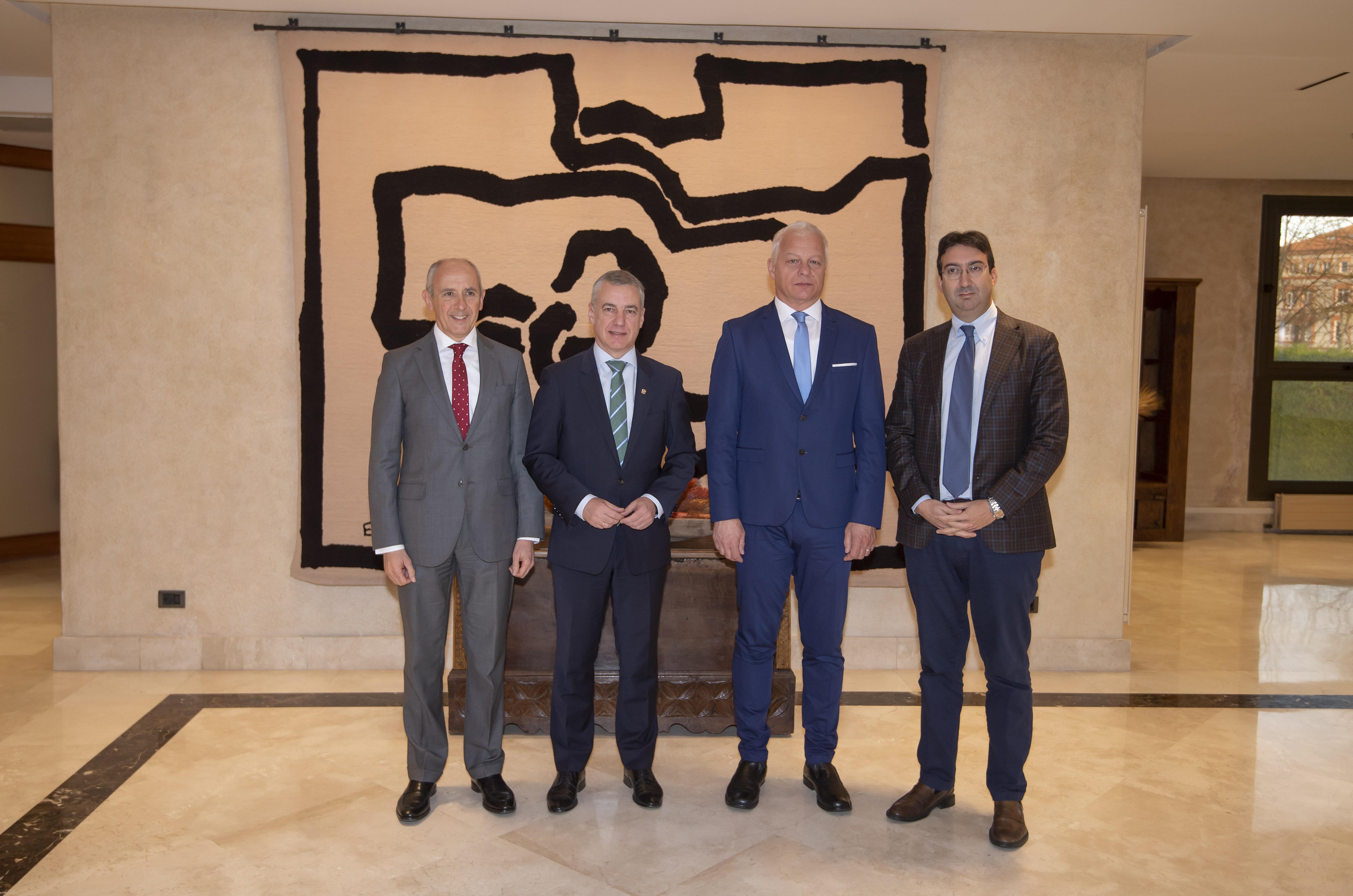 El Lehendakari recibe a responsables del grupo GRECO y de la OCDE  [0:57]