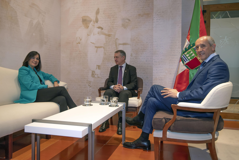 El Lehendakari recibe a la Ministra de Política Territorial y Función Pública, Carolina Darias