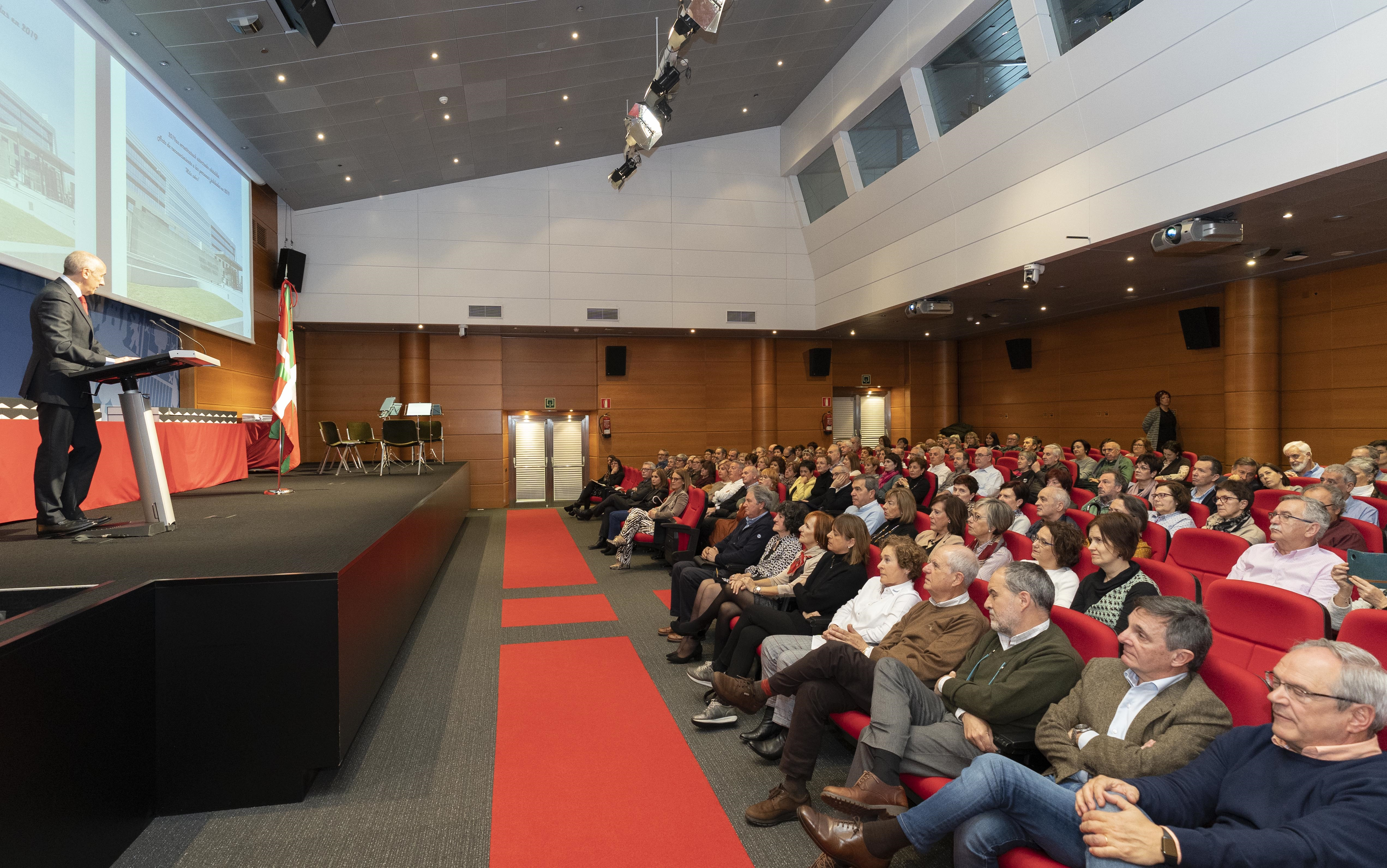 El Gobierno Vasco reconoce el trabajo realizado al personal empleado público jubilado en 2019 [52:48]
