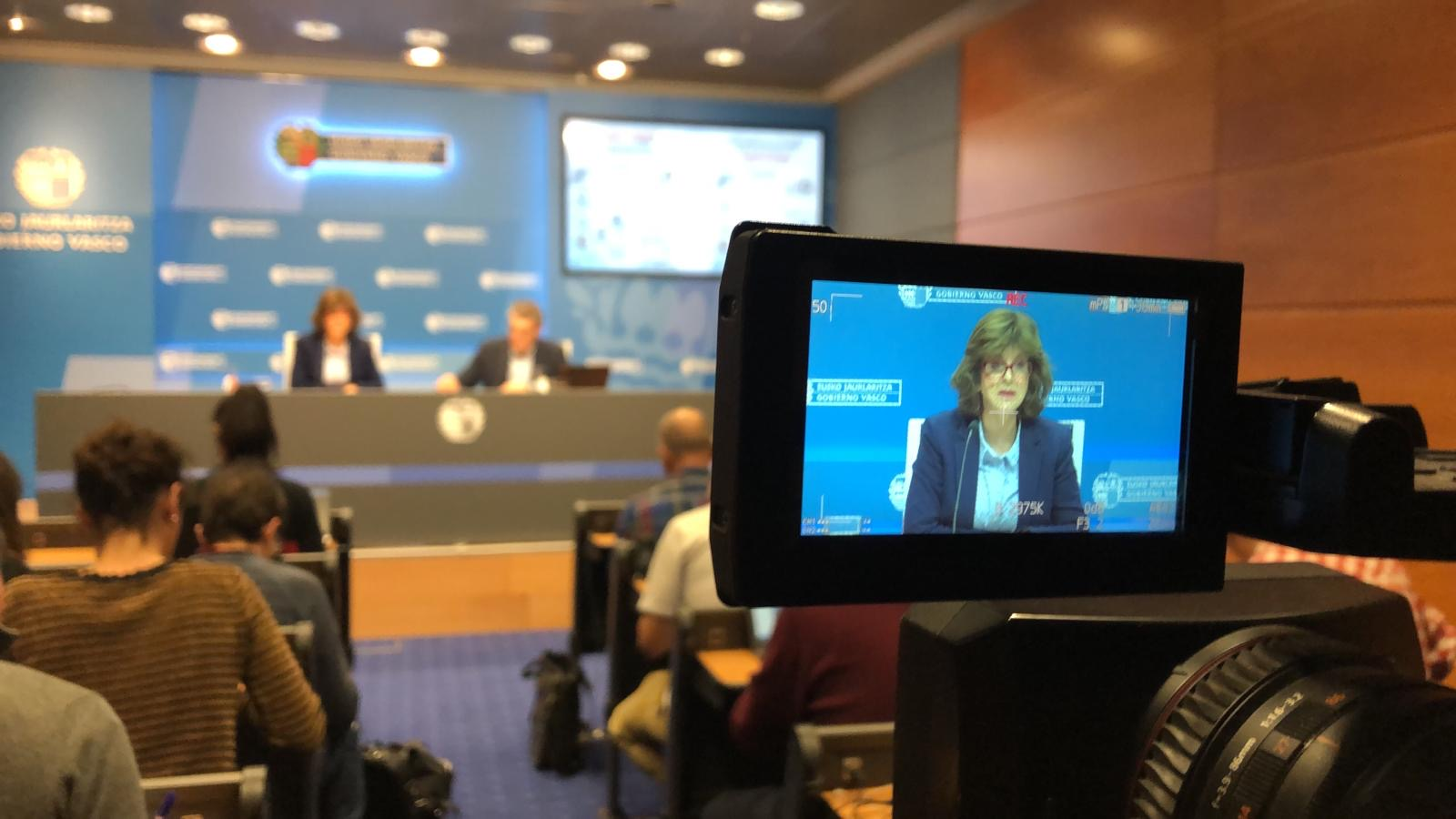Cuatro nuevos positivos elevan a 17 los casos de coronavirus en Euskadi  [29:35]