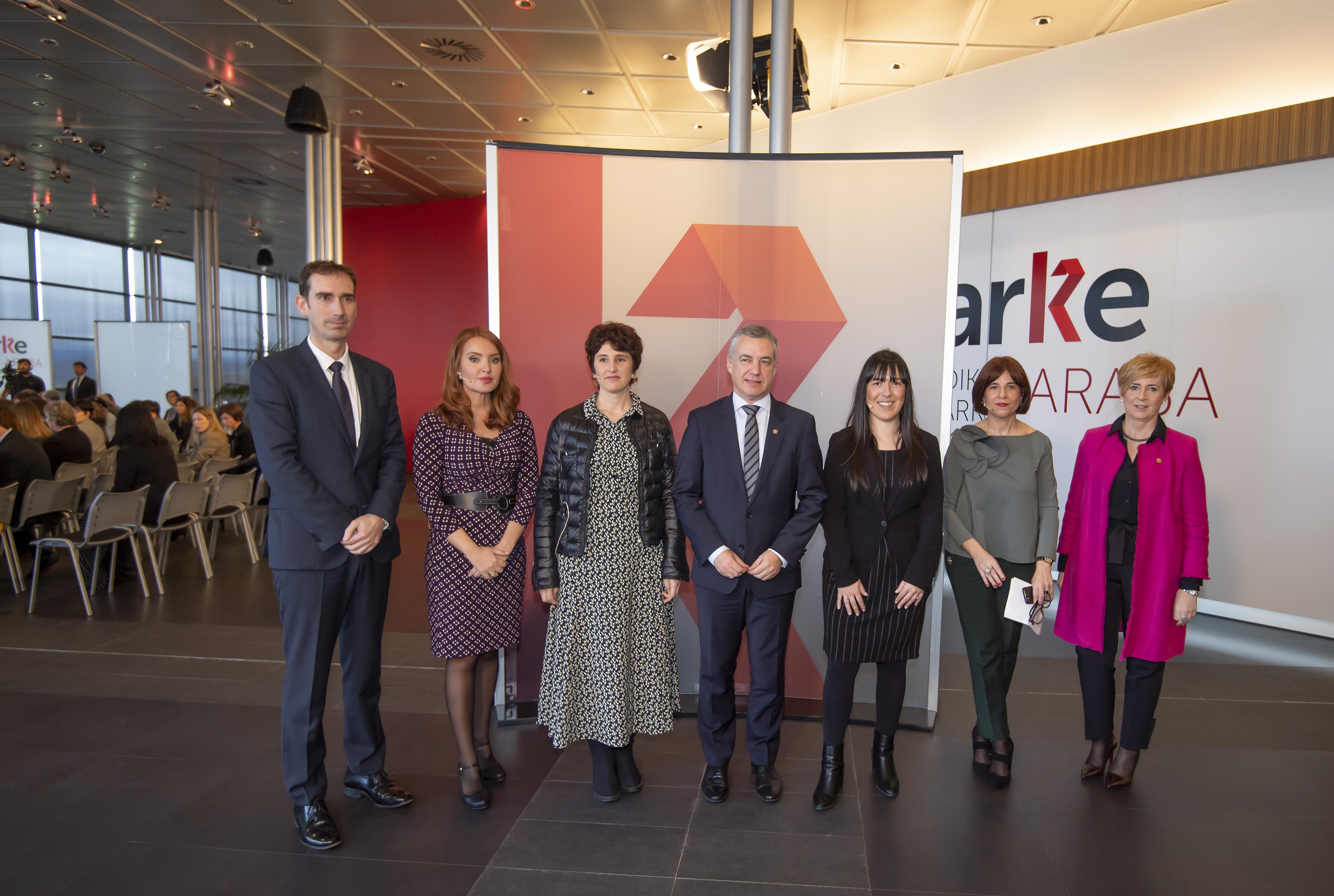 El Lehendakari reivindica la extensión del compromiso con igualdad al ámbito socio-económico y a la responsabilidad de dirigir y gestionar las empresas de Euskadi [9:19]
