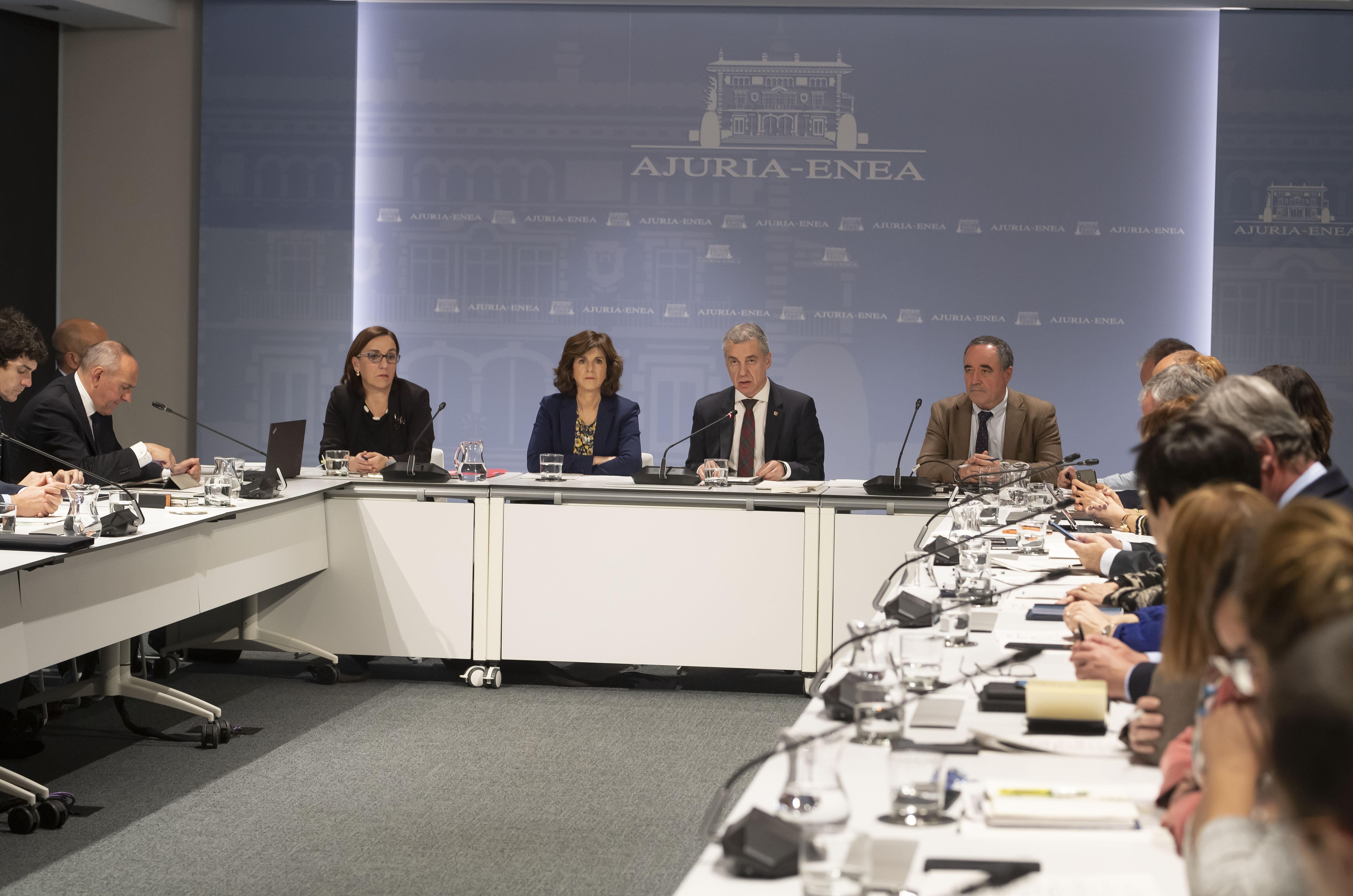 El Lehendakari preside la reunión de coordinación interinstitucional para elseguimiento y coordinación de las actuaciones dirigidas a abordar el Coronavirus en Euskadi [6:20]