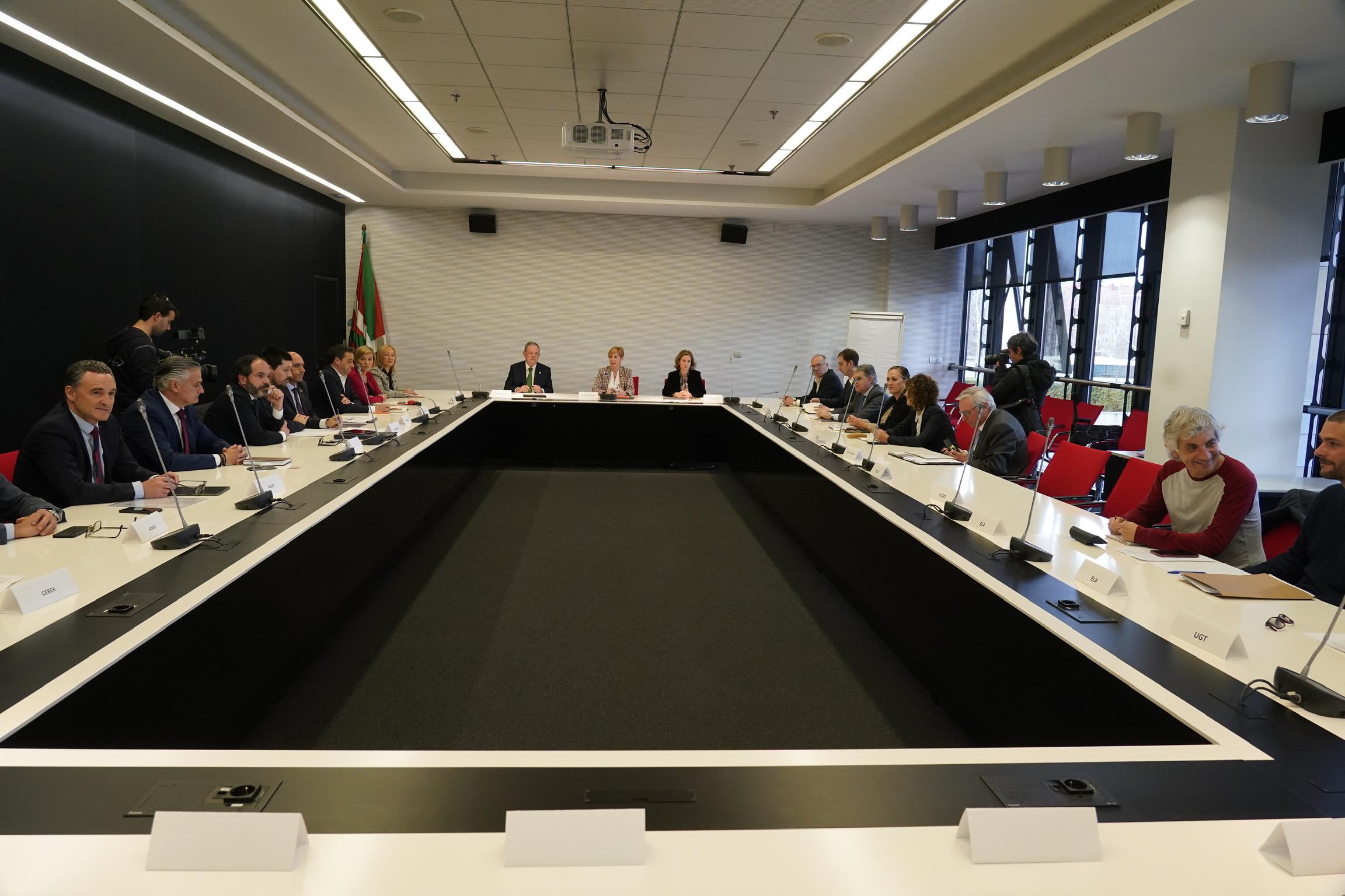 El Gobierno Vasco prepara la economía vasca para el posible impacto del COVID-19  [16:53]