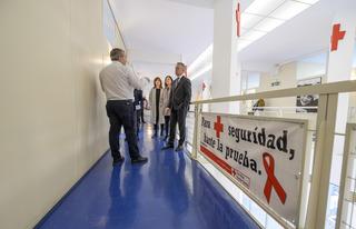 Lhk visita cruz roja