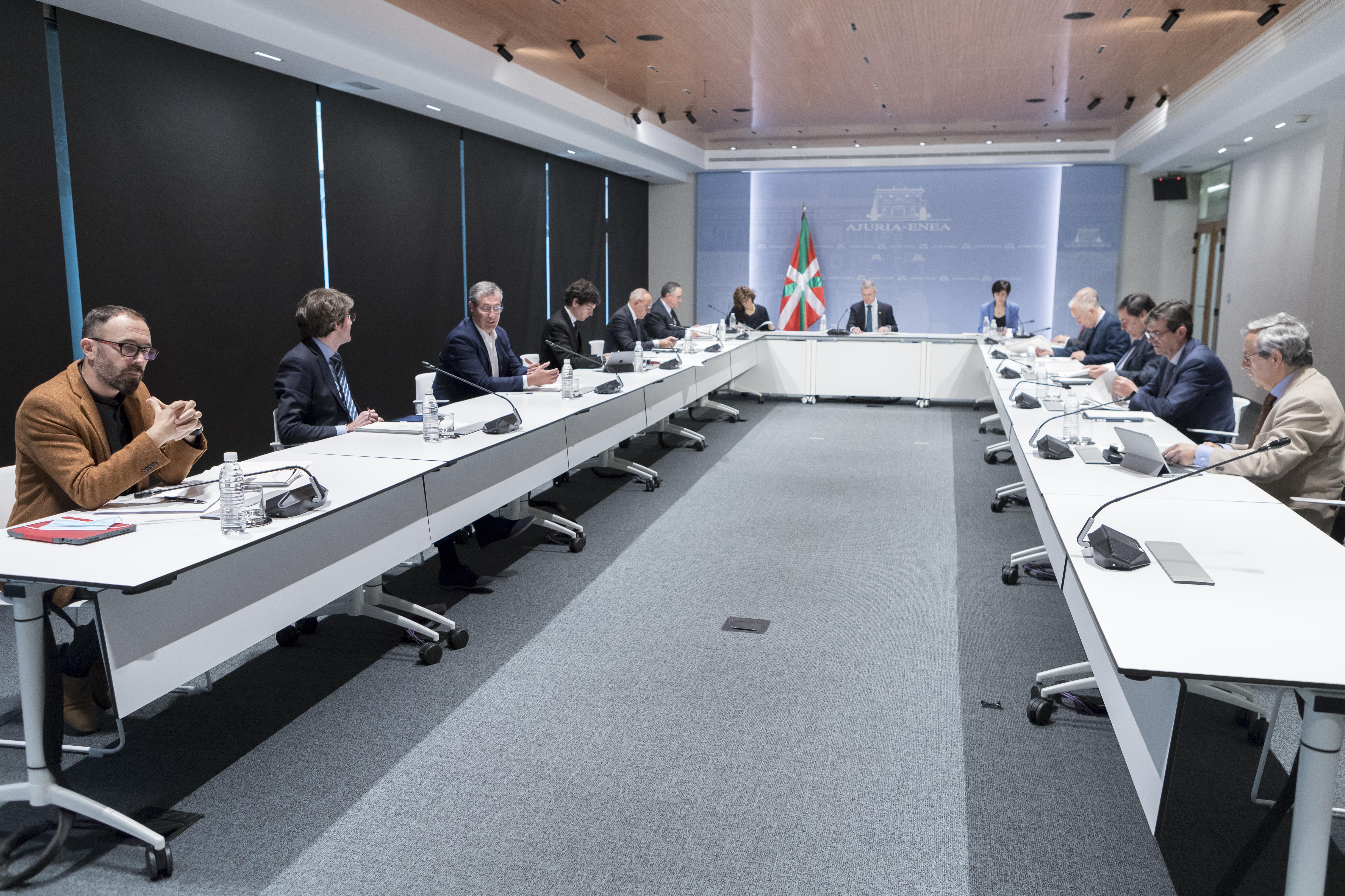 El Lehendakari Iñigo Urkullu preside la reunión del Comité Asesor que le asiste como director único del Plan de Protección Civil de Euskadi (LABI) [1:03]