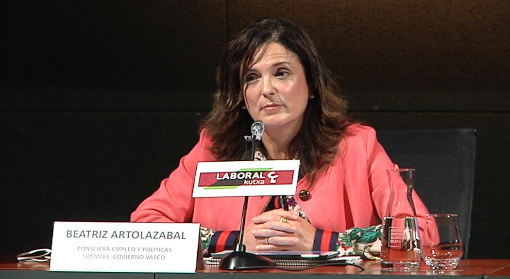 La consejera Beatriz Artolazabal aprueba la orden para regular la reanudación de las actividades de tiempo libre educativo infantil y juvenil [4:58]