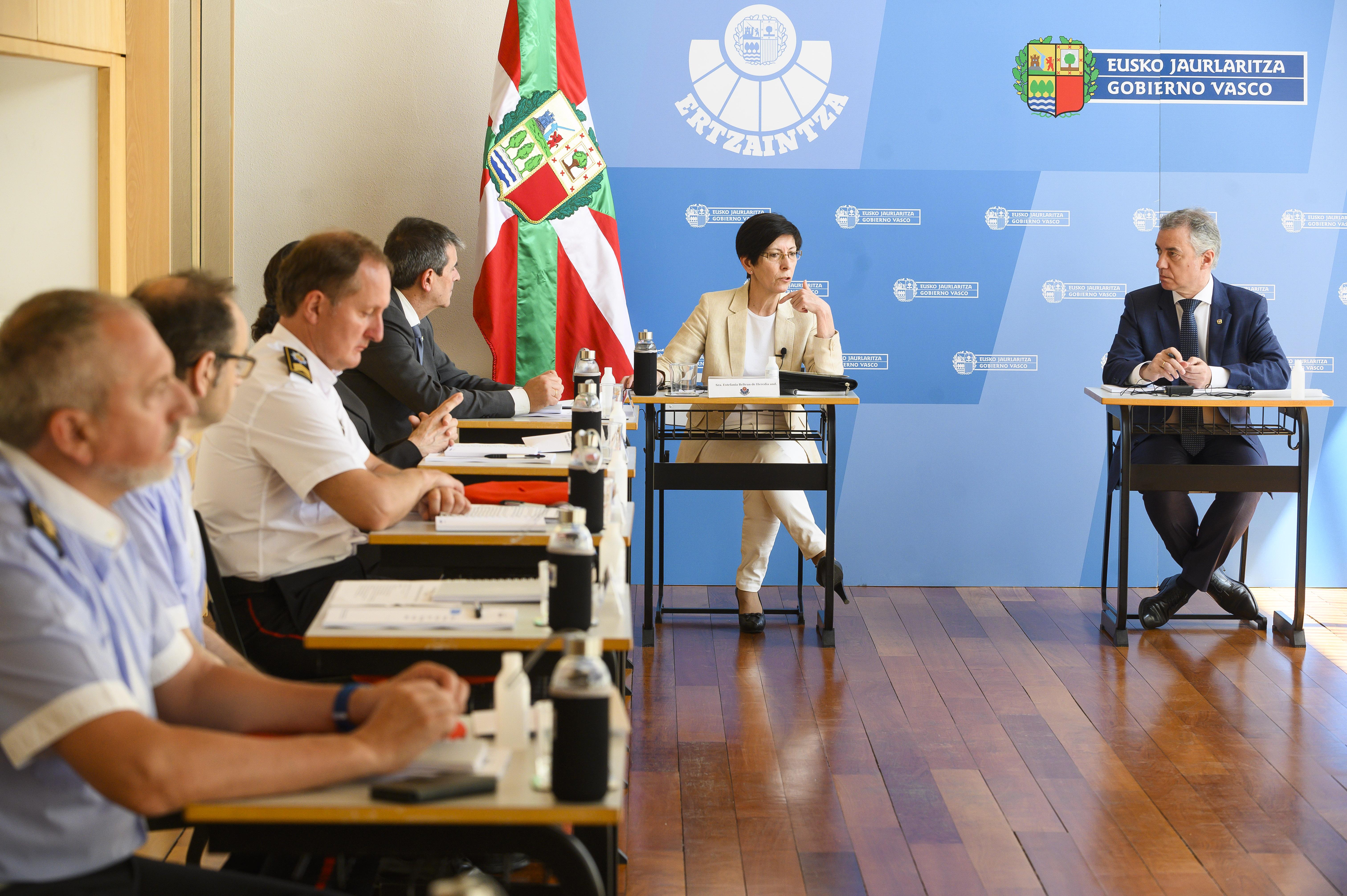El Lehendakari se reúne en Berrozi con el equipo encargado de recopilar y fijar criterios homogéneos de aplicación de la normativa del estado de alarma sanitaria