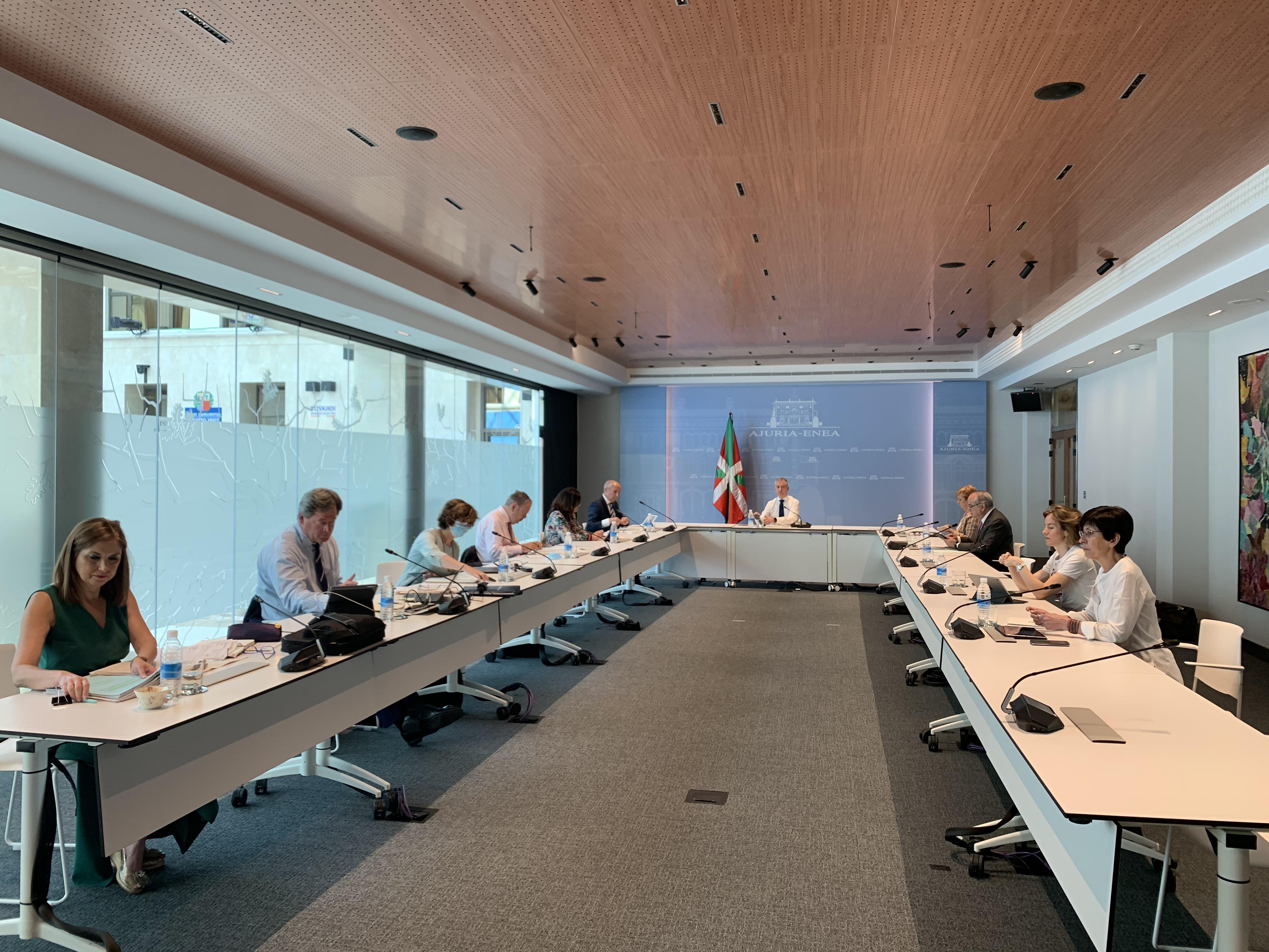 El Lehendakari preside la reunión del Consejo de Gobierno